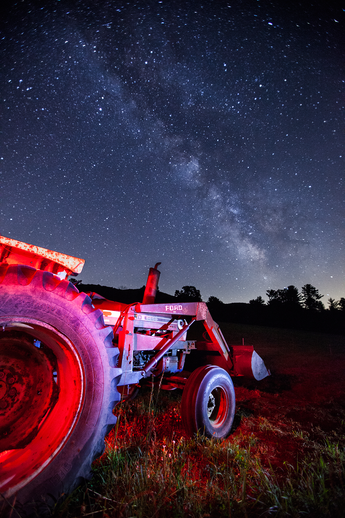 MILKY WAY-STARLIGHT-AND-TRACTOR-AT-STONWALL-DAIRY_MILKYWAY_0©-JONATHAN-R.-BECKERMAN-PHOTOGRAPHY-62916.jpg