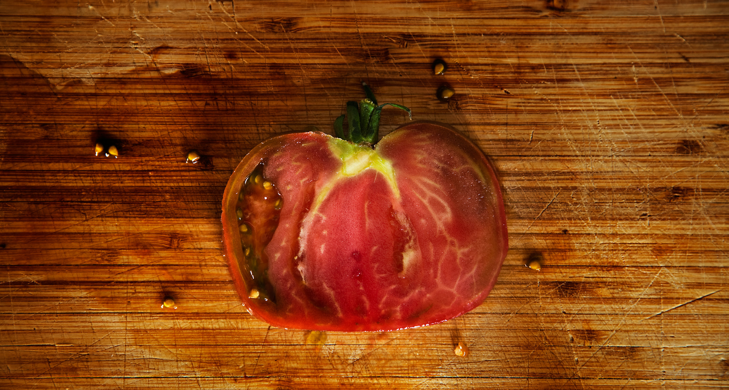TOMATO-HEIRLOOM-ORGANIC-TOMATOES-FROM-THE-GARDEN-5-©-JONATHAN-R.-BECKERMAN-PHOTOGRAPHY.jpg