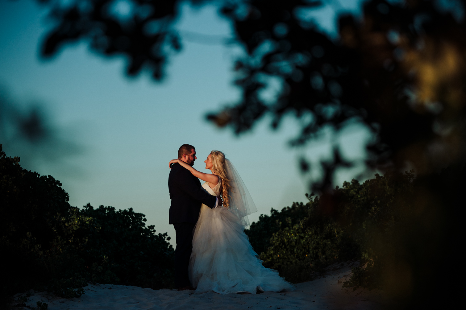 The_Belongil_Byron_Bay_Weddings_New_Black_Studios-164.jpg