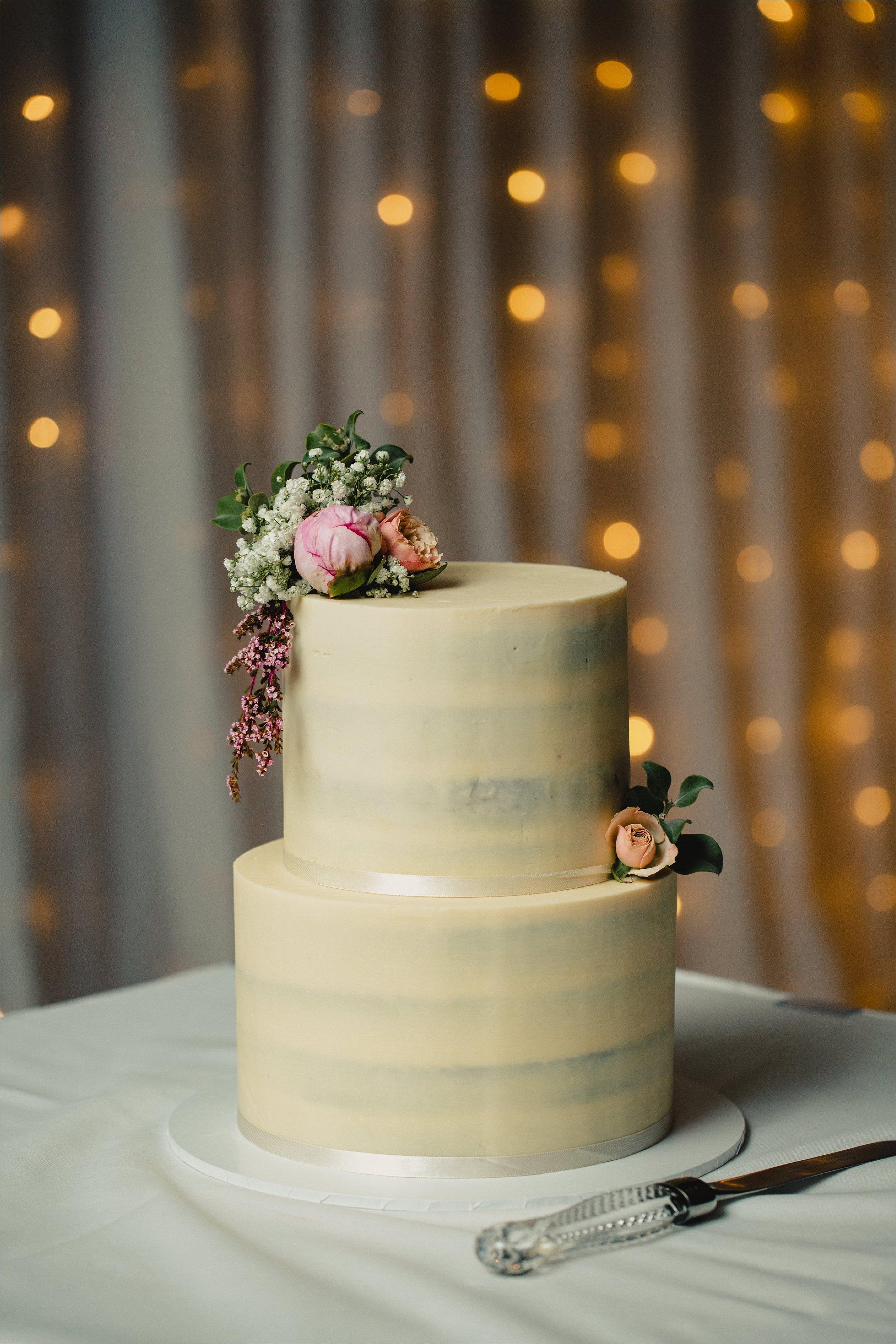 Peppers - Salt - Kingscliffe - wedding - cake - simple - tiered.jpg