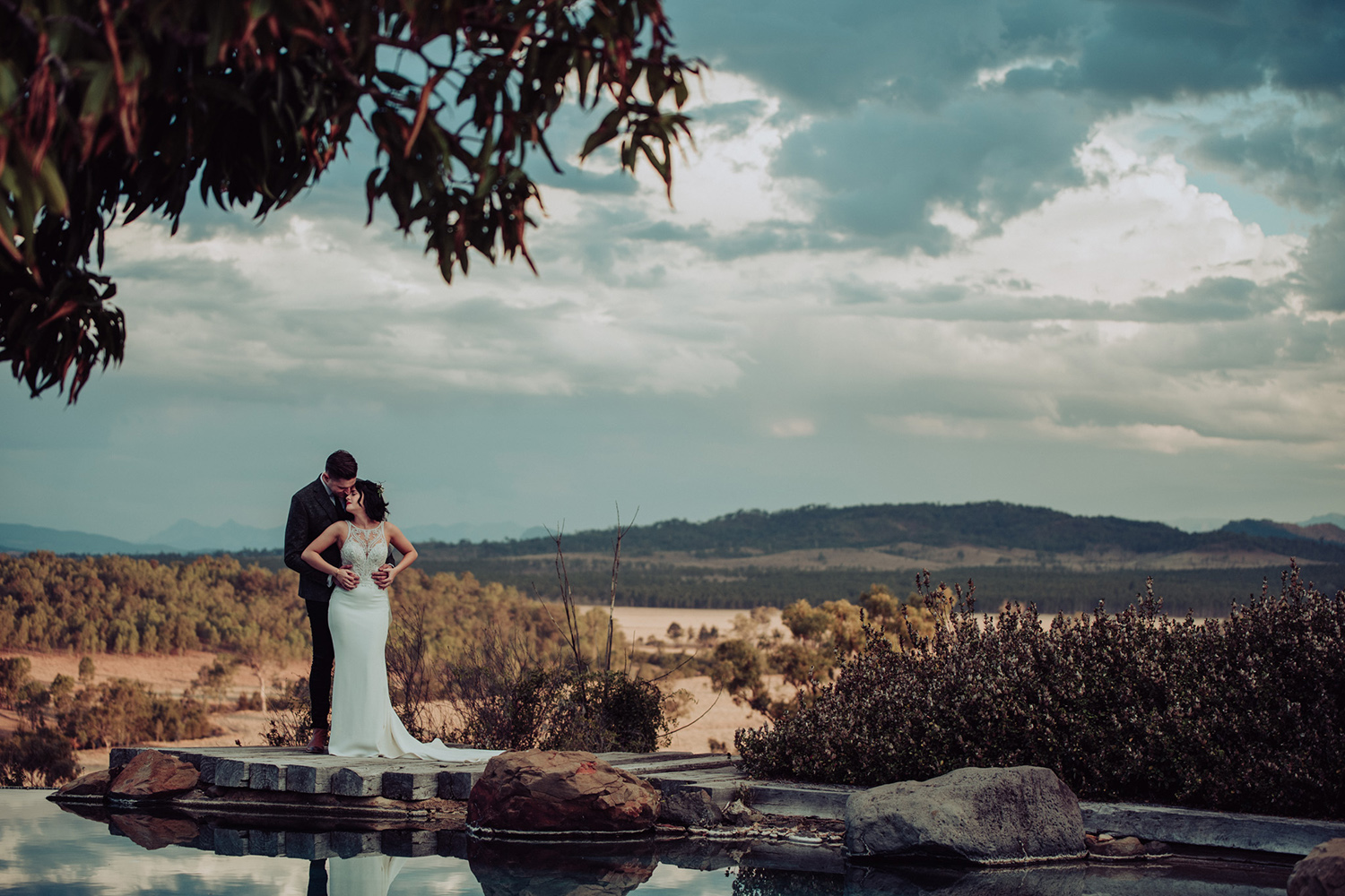 Natural, yet stylish wedding photography