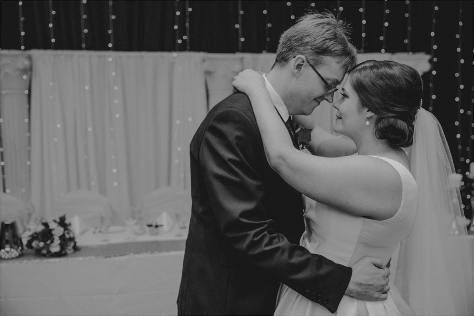 Bribie_Island_Wedding_first_dance