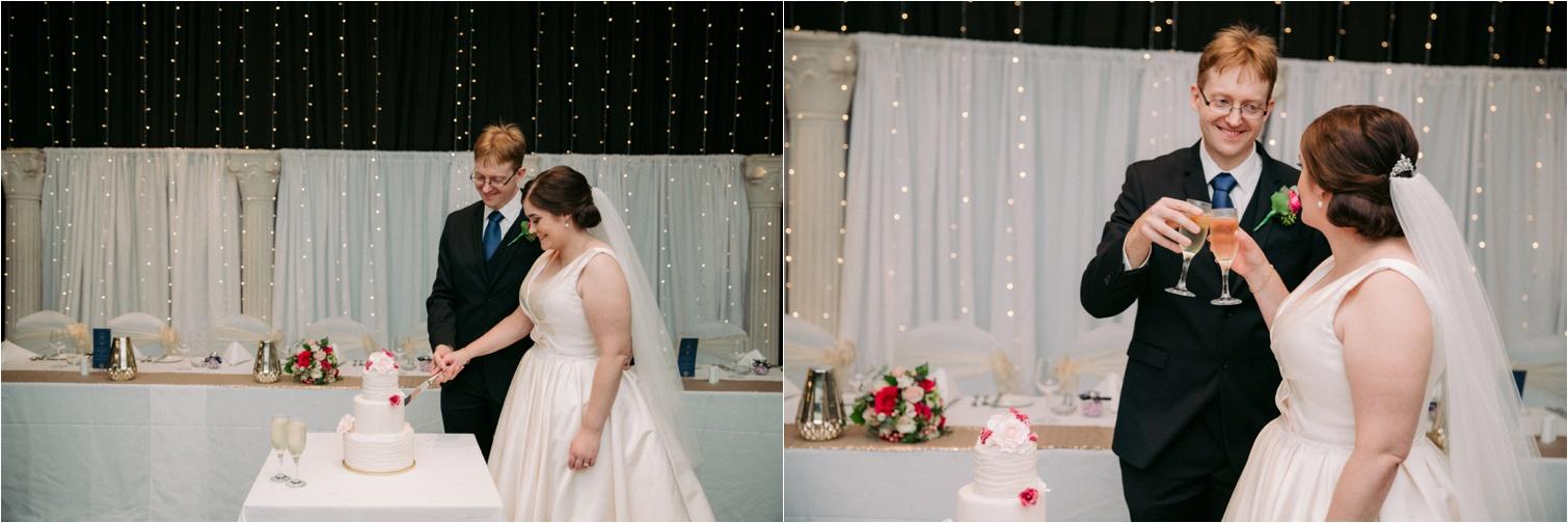 Bribie_Island_Wedding_cake_cutting