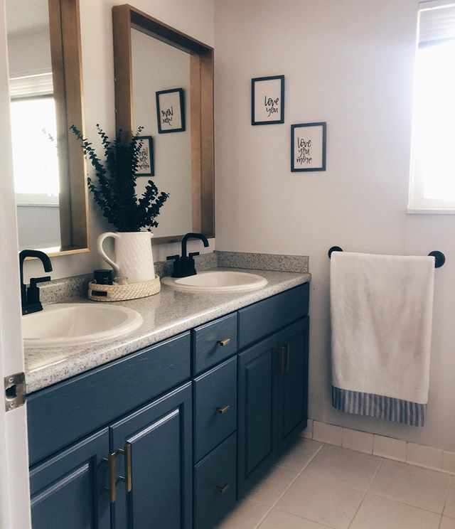 Bathroom Reno numero uno ✔️ . Swipe to see the before photo!