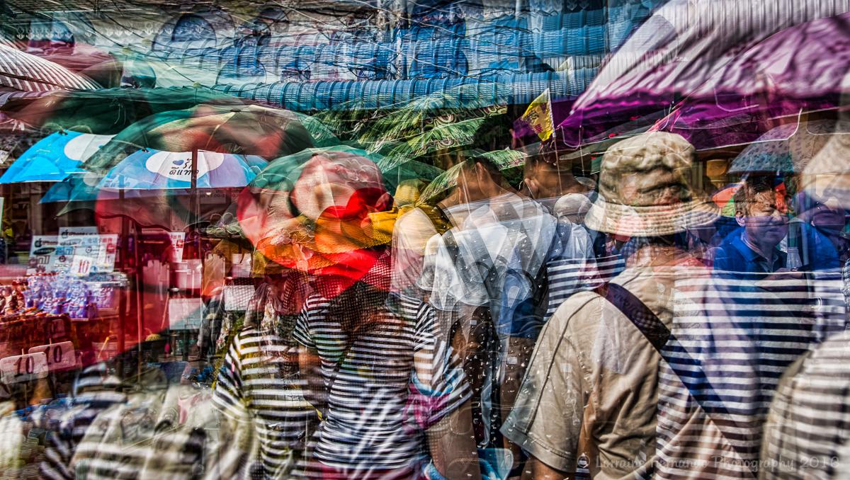 Bangkok - Frenzied tourists
