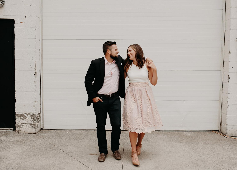 buffalo-new-york-engagement-photos-on-wedding-blog-for-destination-wedding-planner-sincerely-pete-by-amanda-lynn-photography