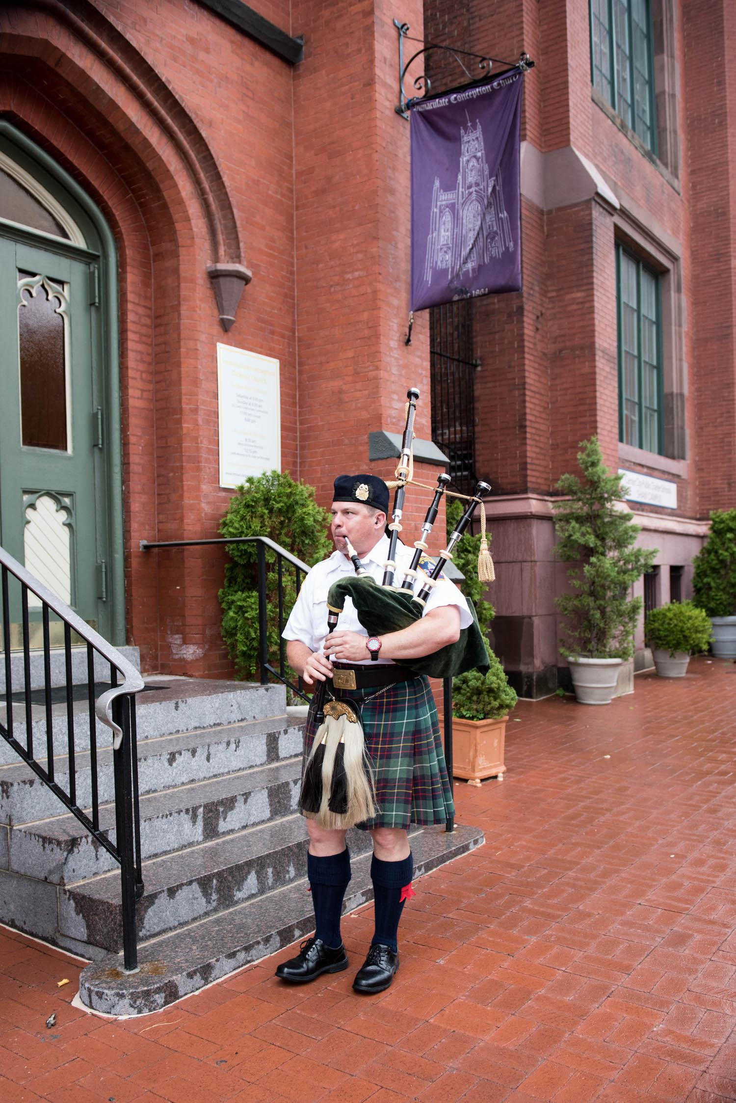 Washington DC Wedding - Sincerely Pete Events - Erin Tetterton Photography - Bagpiper at Wedding