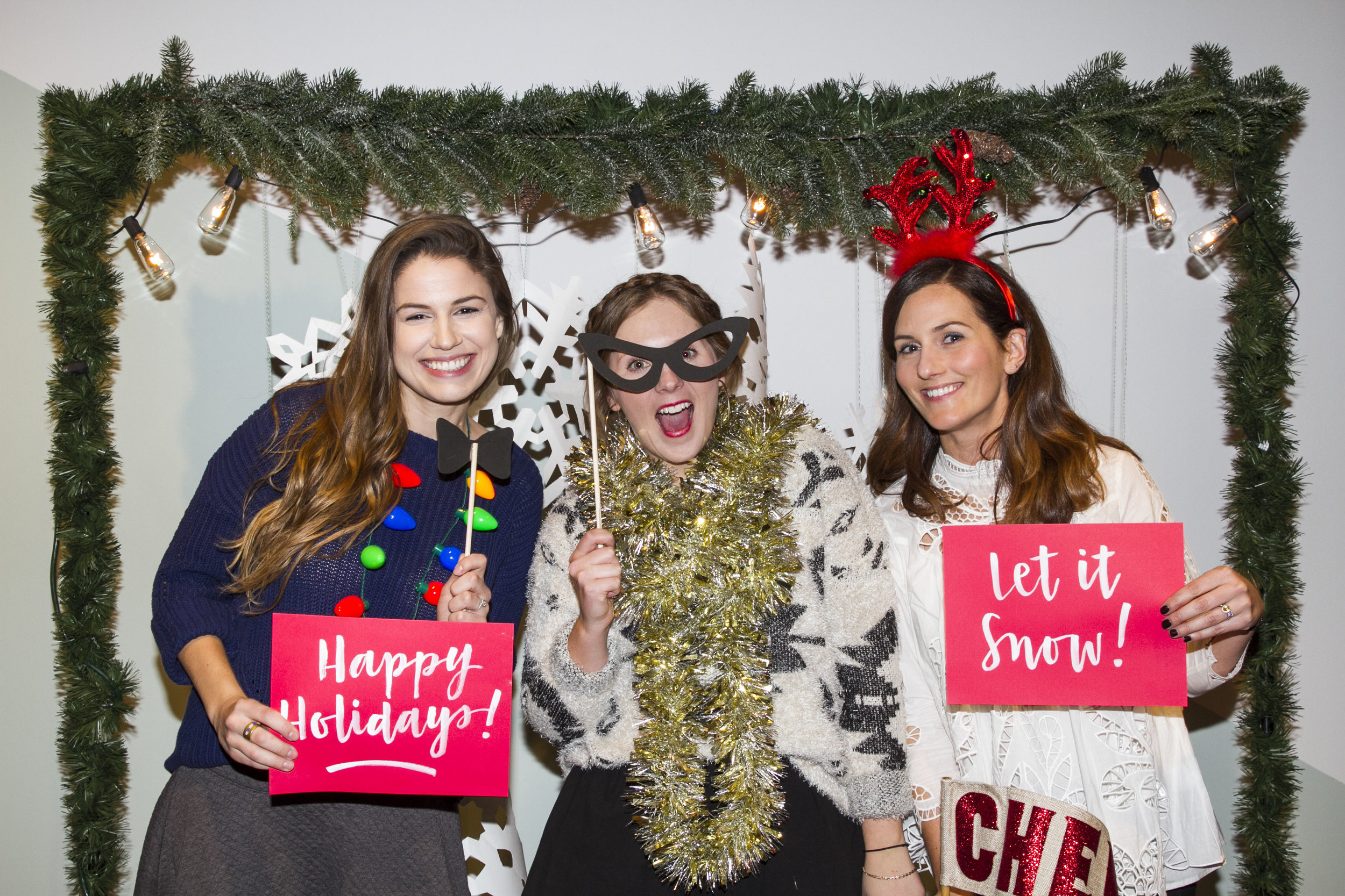 Saturate_HolidayParty