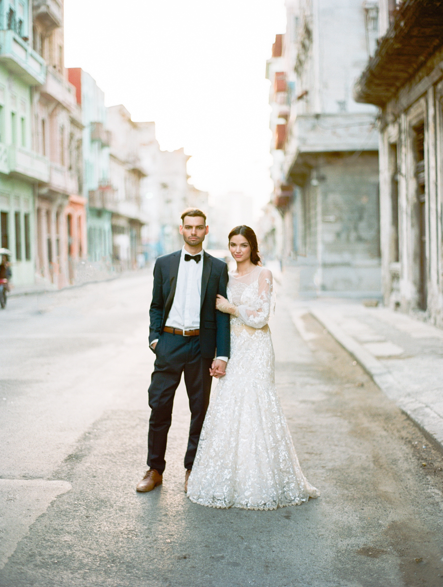 Cuba Wedding Inspiration Mark Andrew Studios-13.jpg