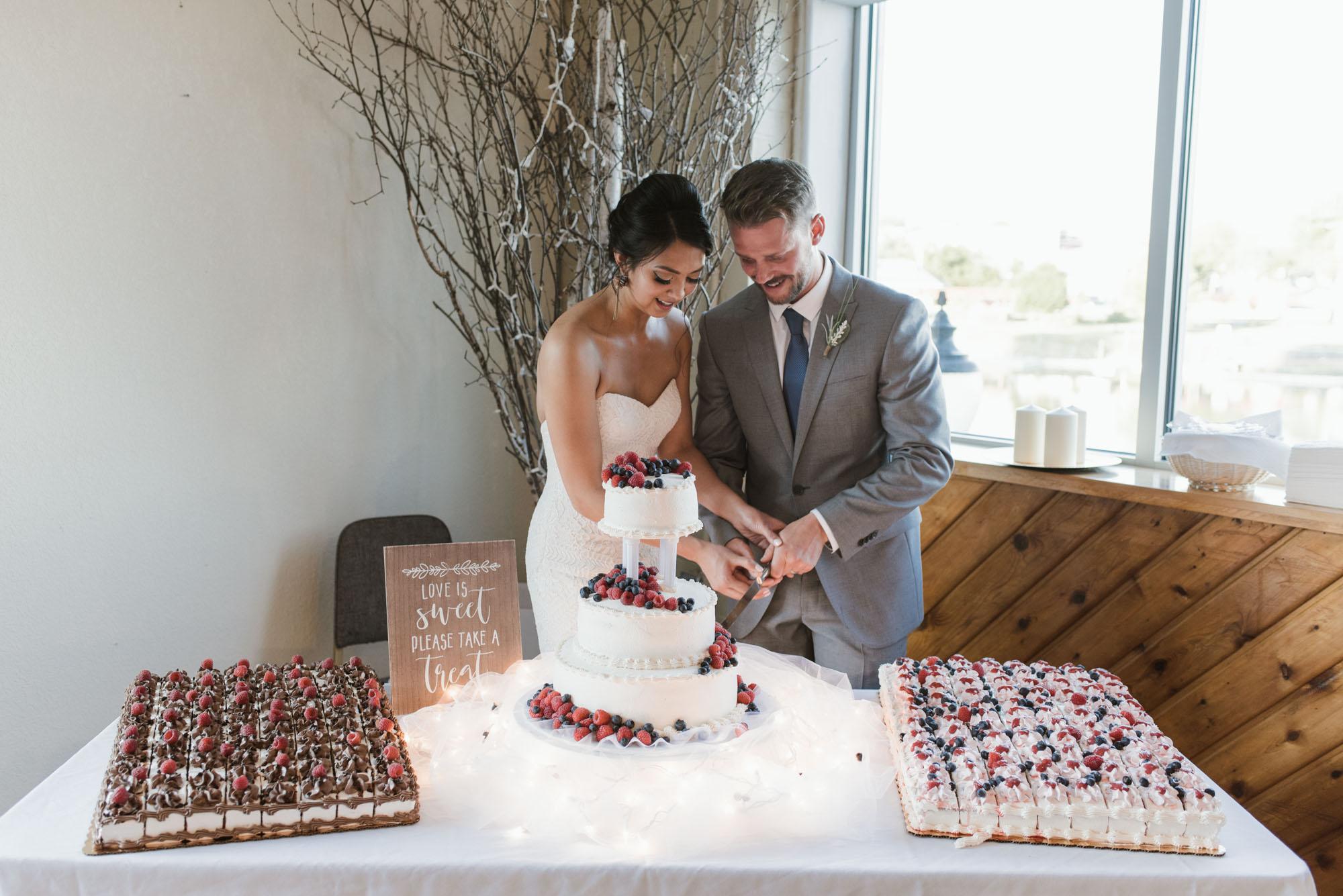 Gavyn-Taylor-Photo_Woolen-Mills-Wedding (112 of 143).jpg