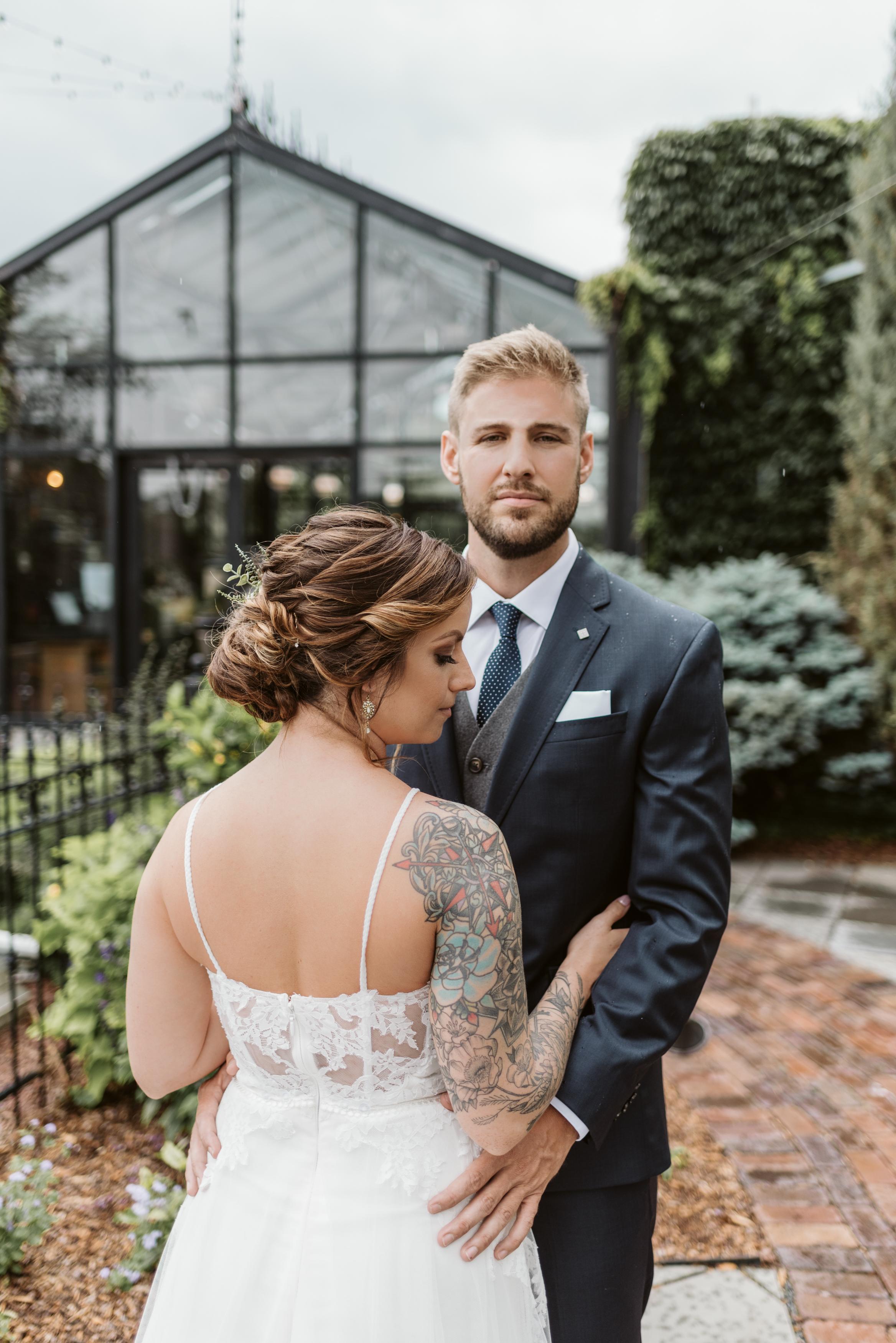 The Atrium Milwaukee Wisconsin Wedding Gavyn Taylor Photo