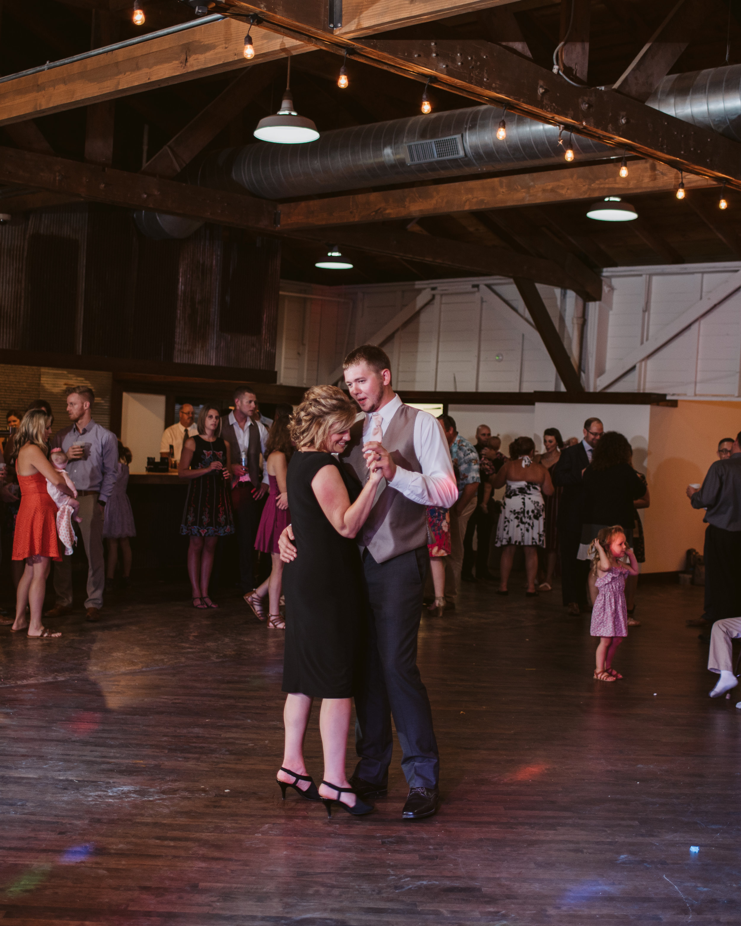 Angell_Park_Pavilion_Wedding_Gavyn_Taylor_Photo-838.jpg