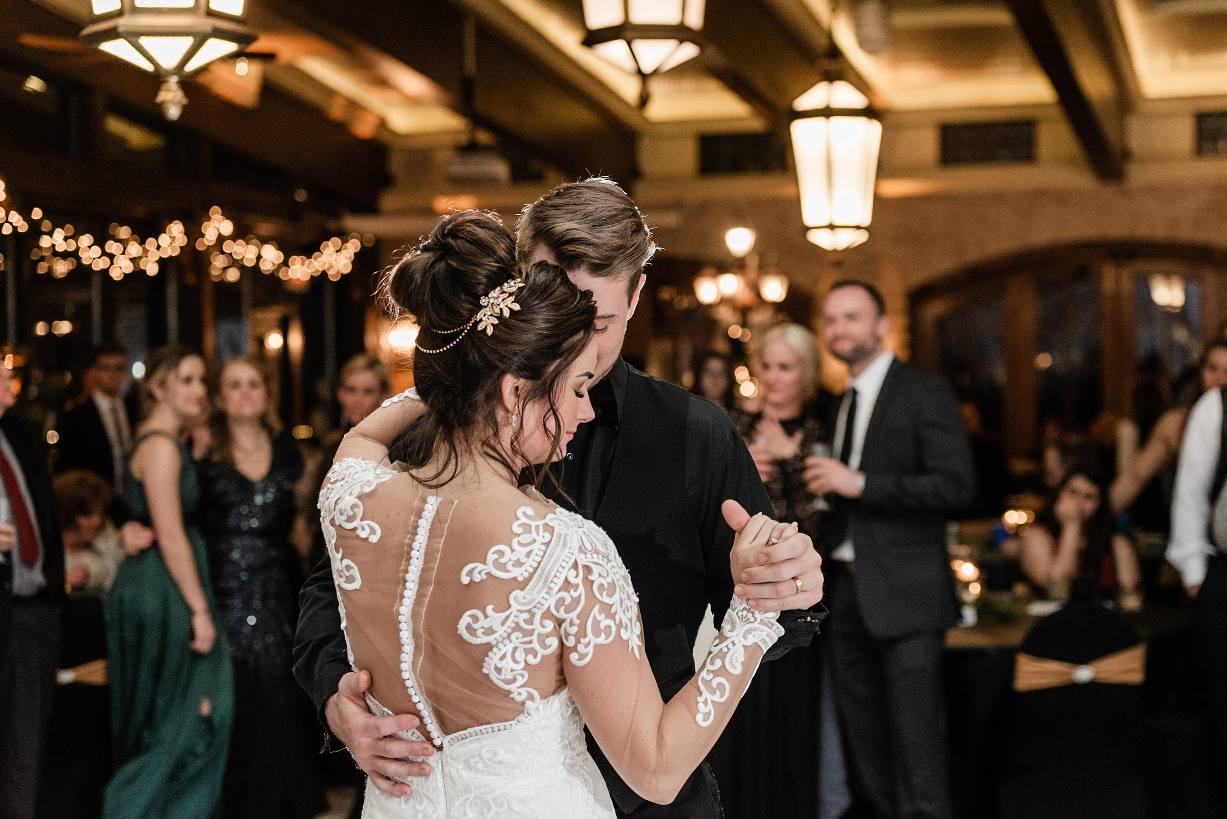 Golden Mast Inn | Delafield Wisconsin Wedding