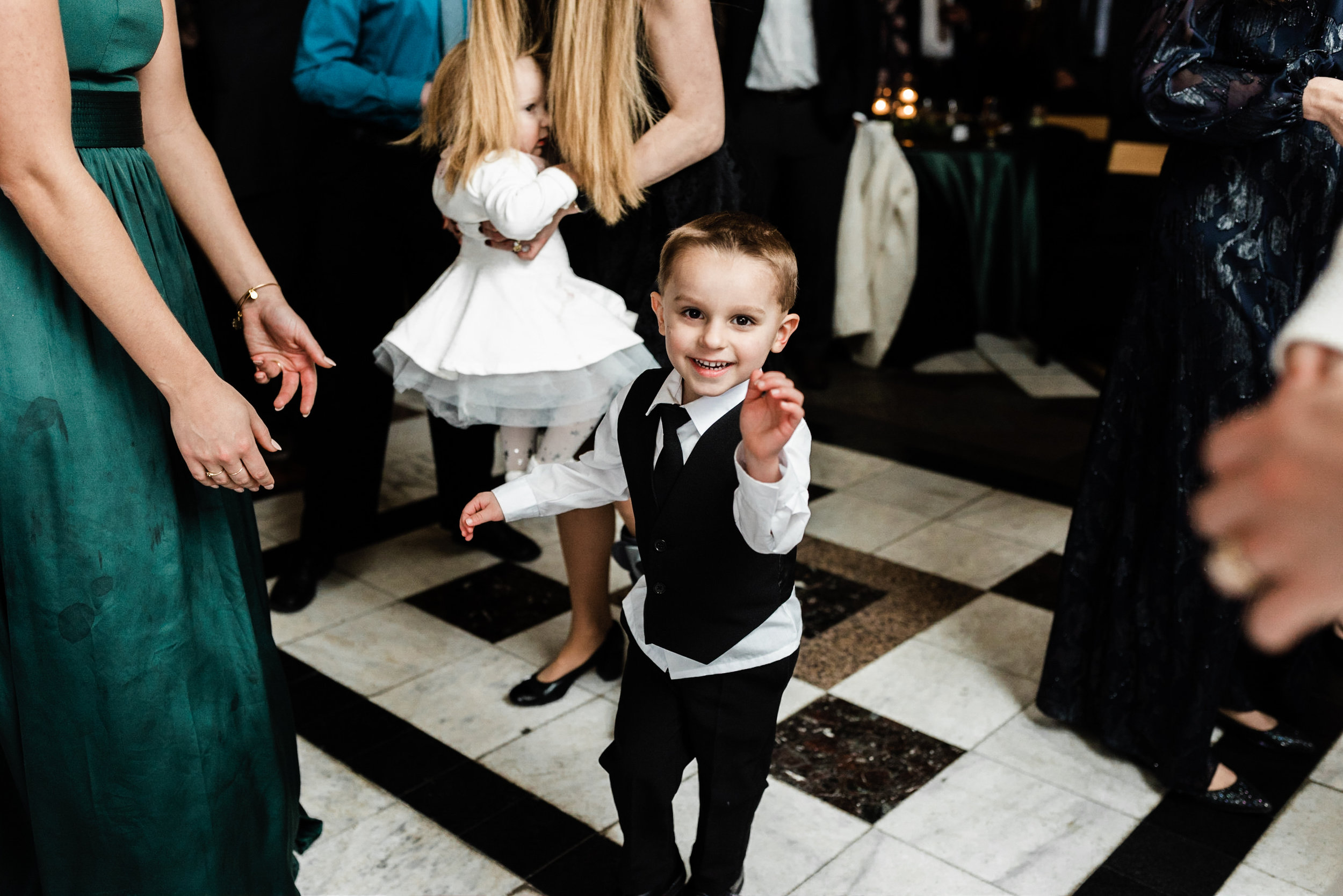 Golden Mast Inn Wedding Delafield Wedding Chicago Wedding Photographer Gavyn Taylor Photo Wisconsin Winter Wedding