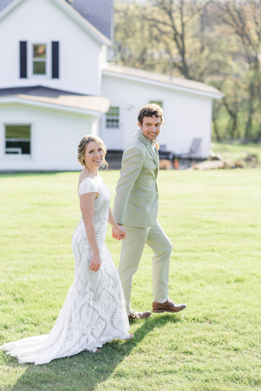 Mt Horeb Wedding Photographer Bridle Barn and Gardens Wedding Gavyn Taylor Photo Chicago Wedding Photographer