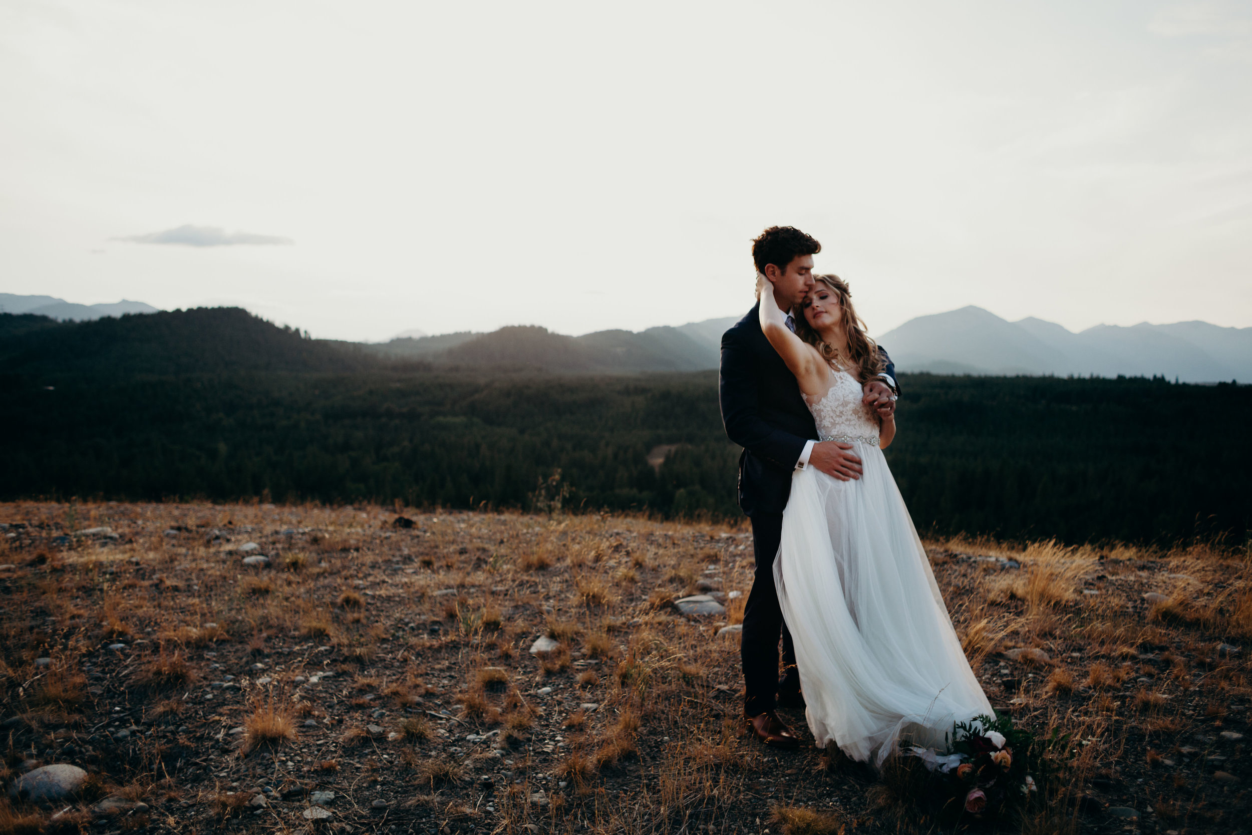 Bixby + Pine Lexi and Scott Suncadia Resort wedding in Suncadia Washington