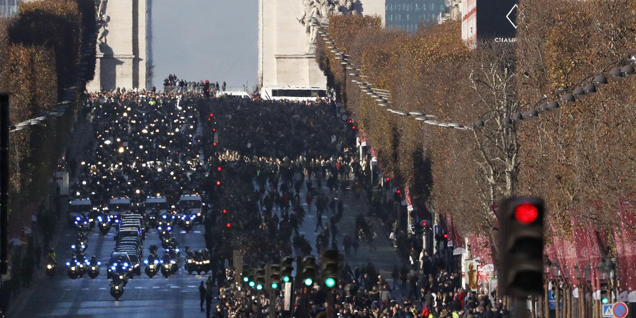 Coupe-du-monde-les-Bleus-vont-parader-sur-les-Champs-Elysees-en-cas-de-victoire.jpg