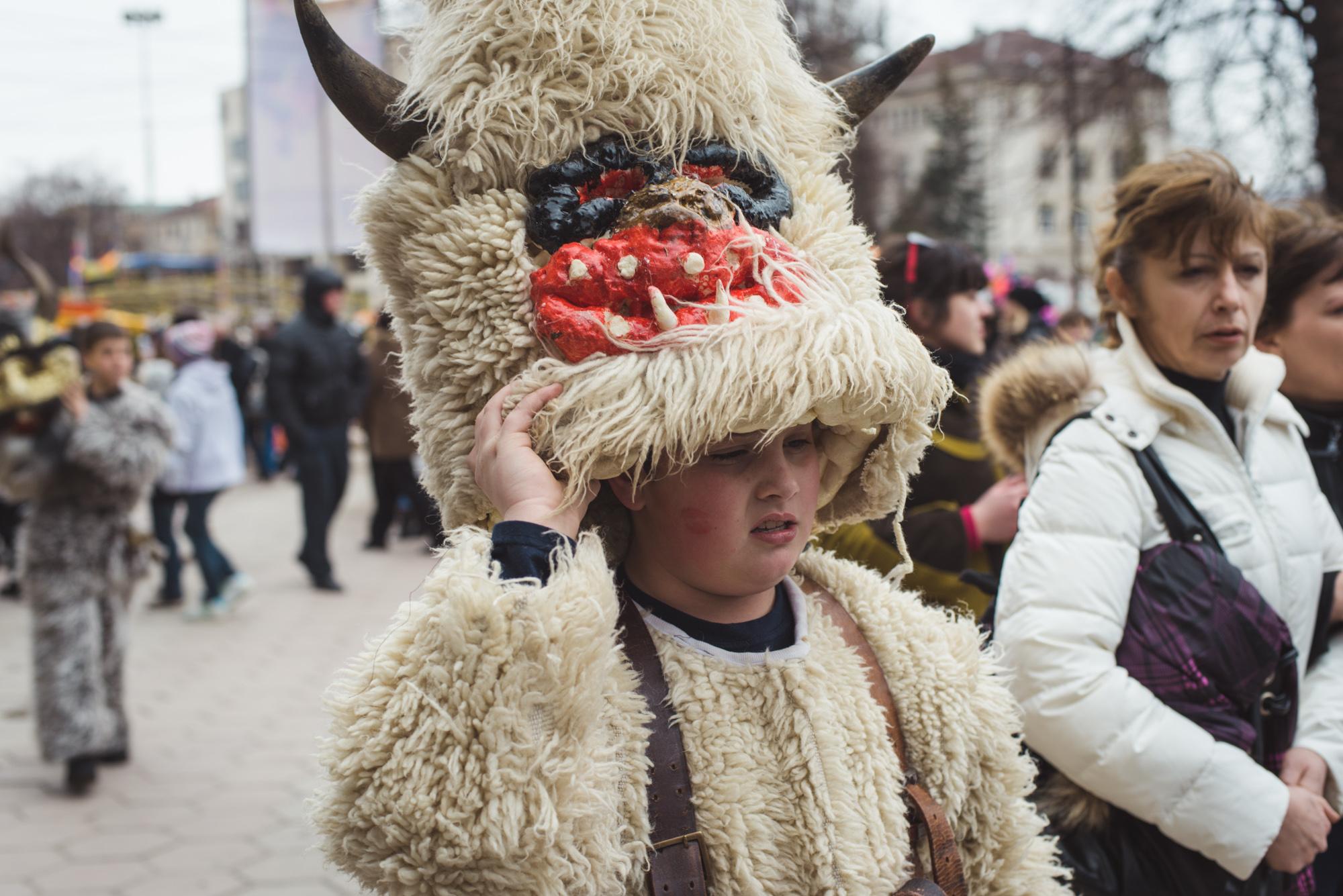 Bulgarian Kukeri_2000px-1574.jpeg