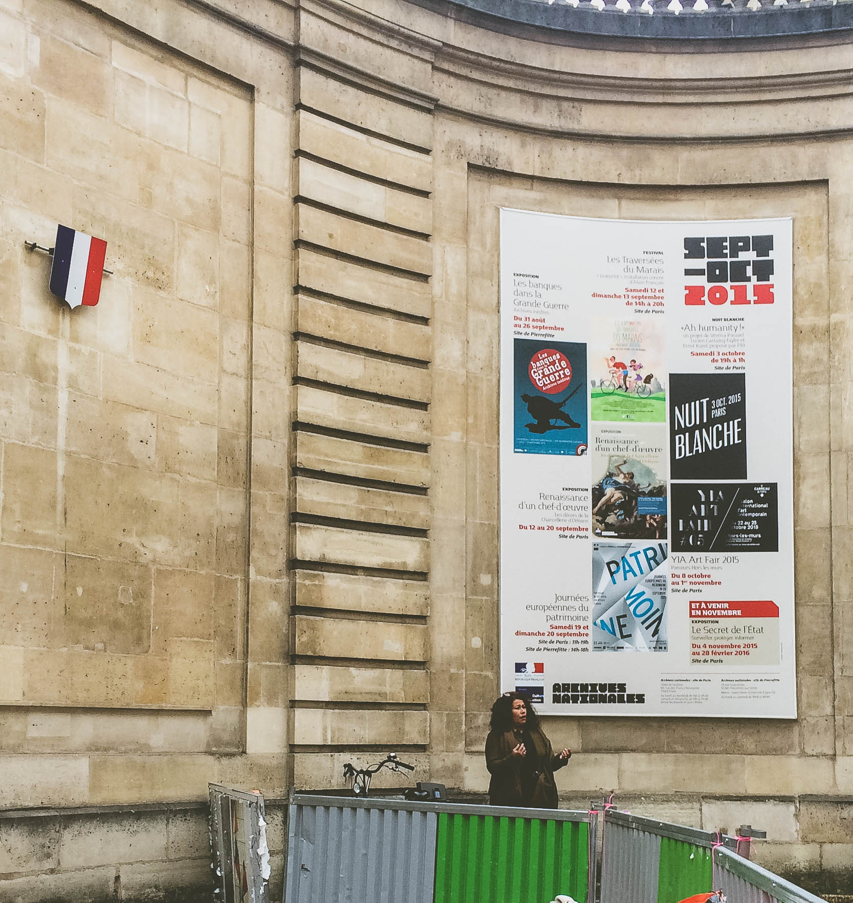 An opera singer doing her thing near Rue des Archives in Paris, France
