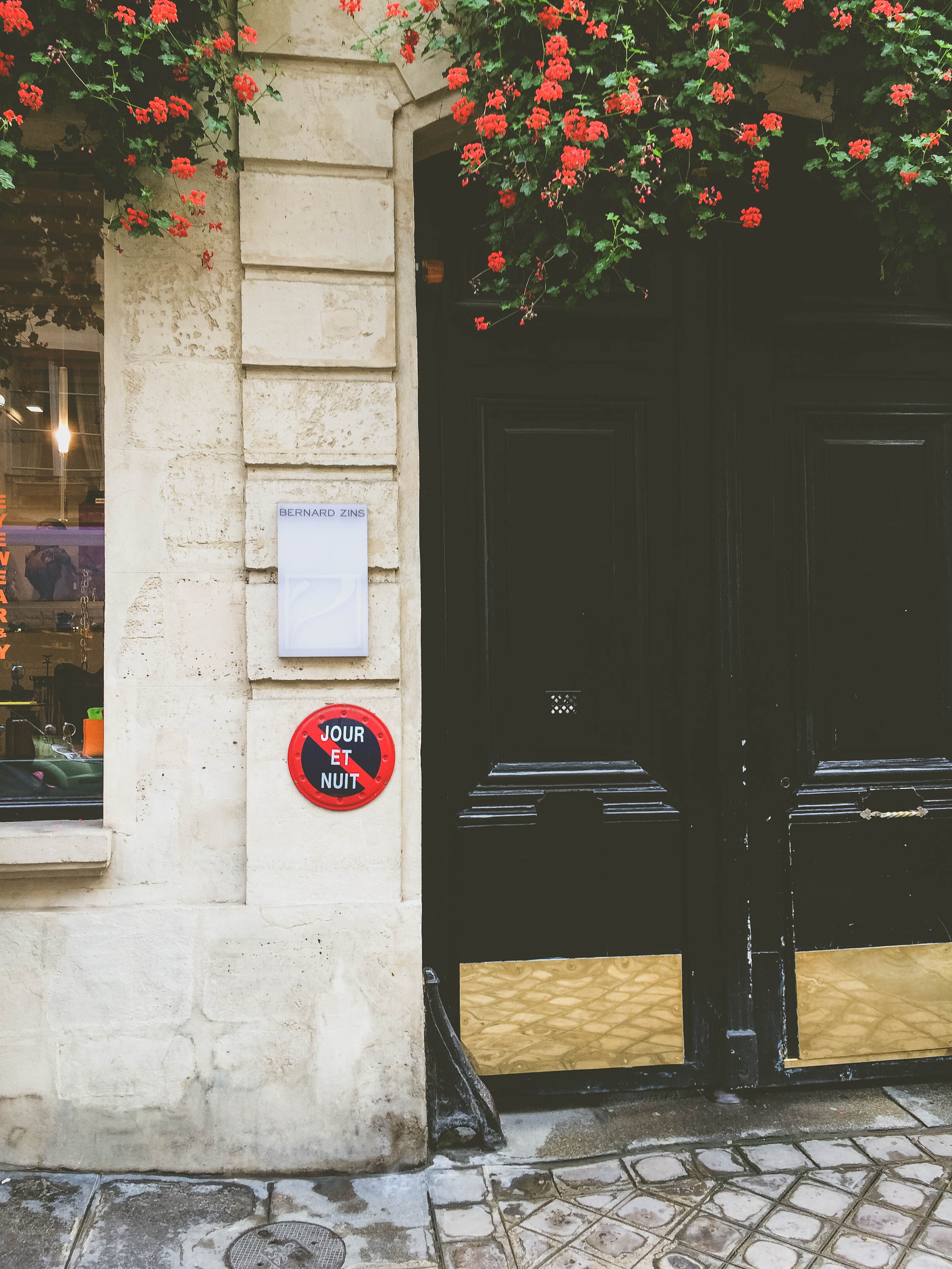 A door and flowers in Paris
