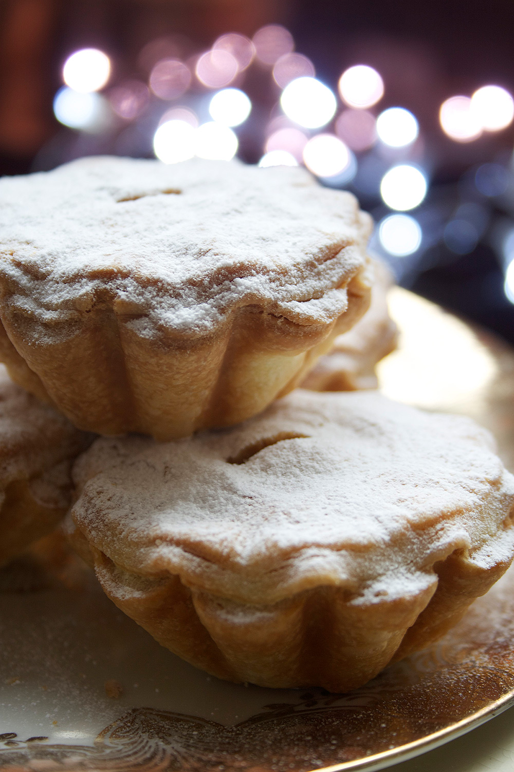 Shortcrust Mince Pies on a plate