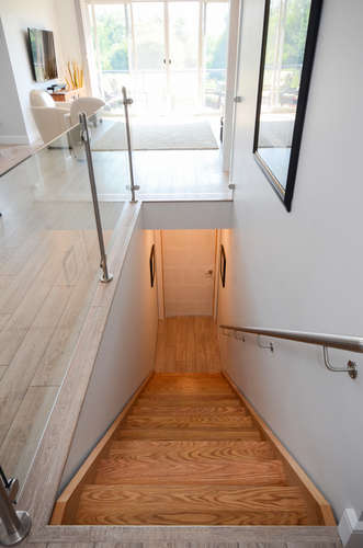 168 Tremaine St-small-029-56-Staircase-332x500-72dpi.jpg