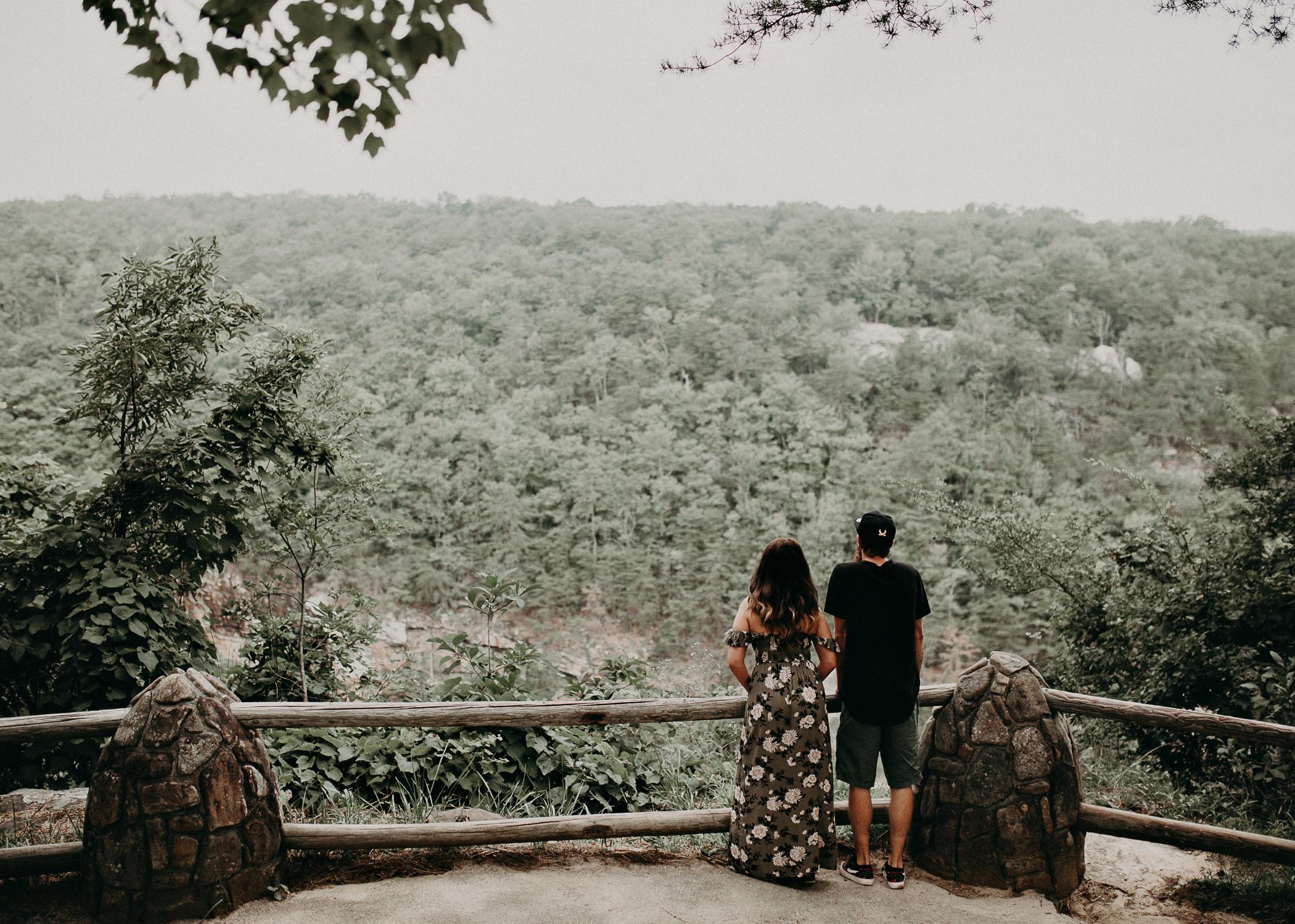 Cloudland canyon, whaterfall georgia, couples waterfall engagement 1.jpg