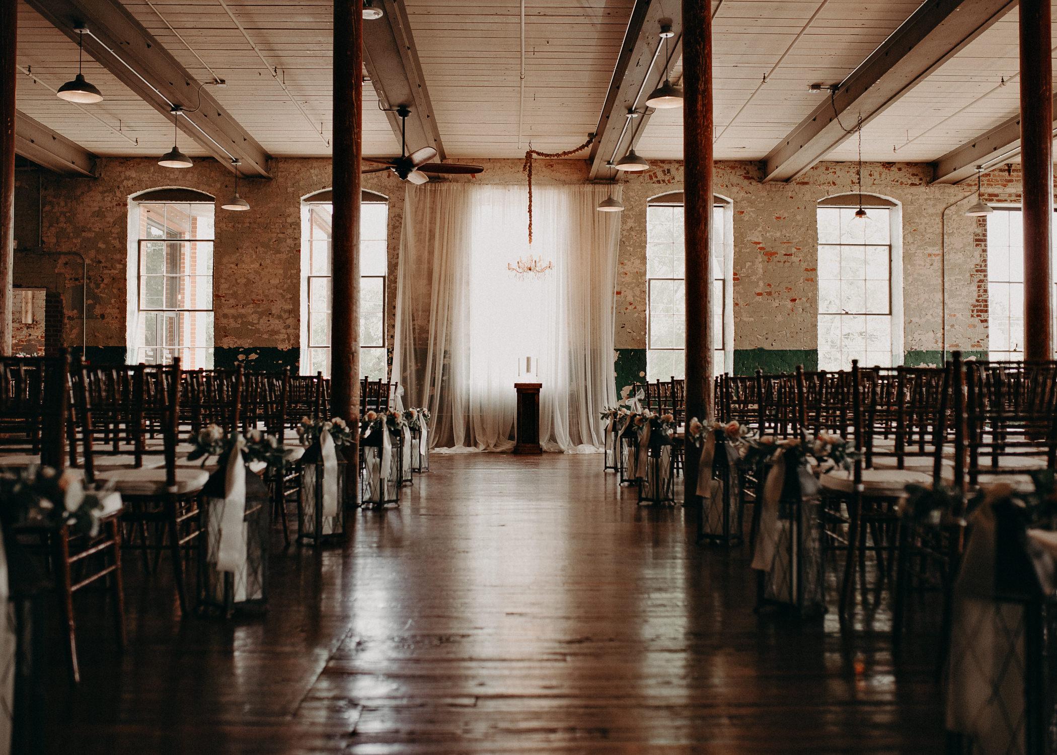 3- Atlanta Wedding Photographer - The engine room - Ga - Wedding trends .jpg
