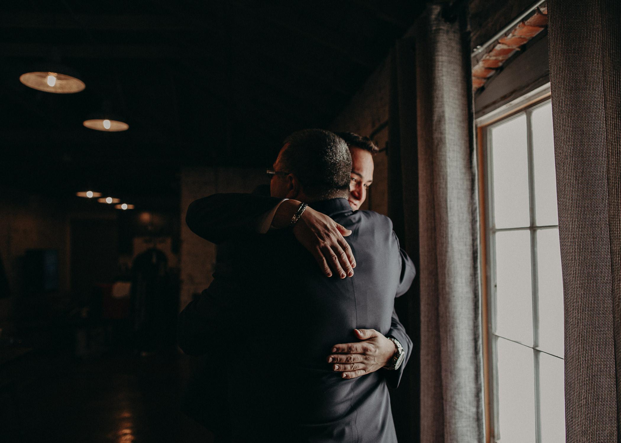 6 4 - Atlanta Wedding Photographer - The engine room - Ga - Wedding trends - Aline Marin Photography.jpg