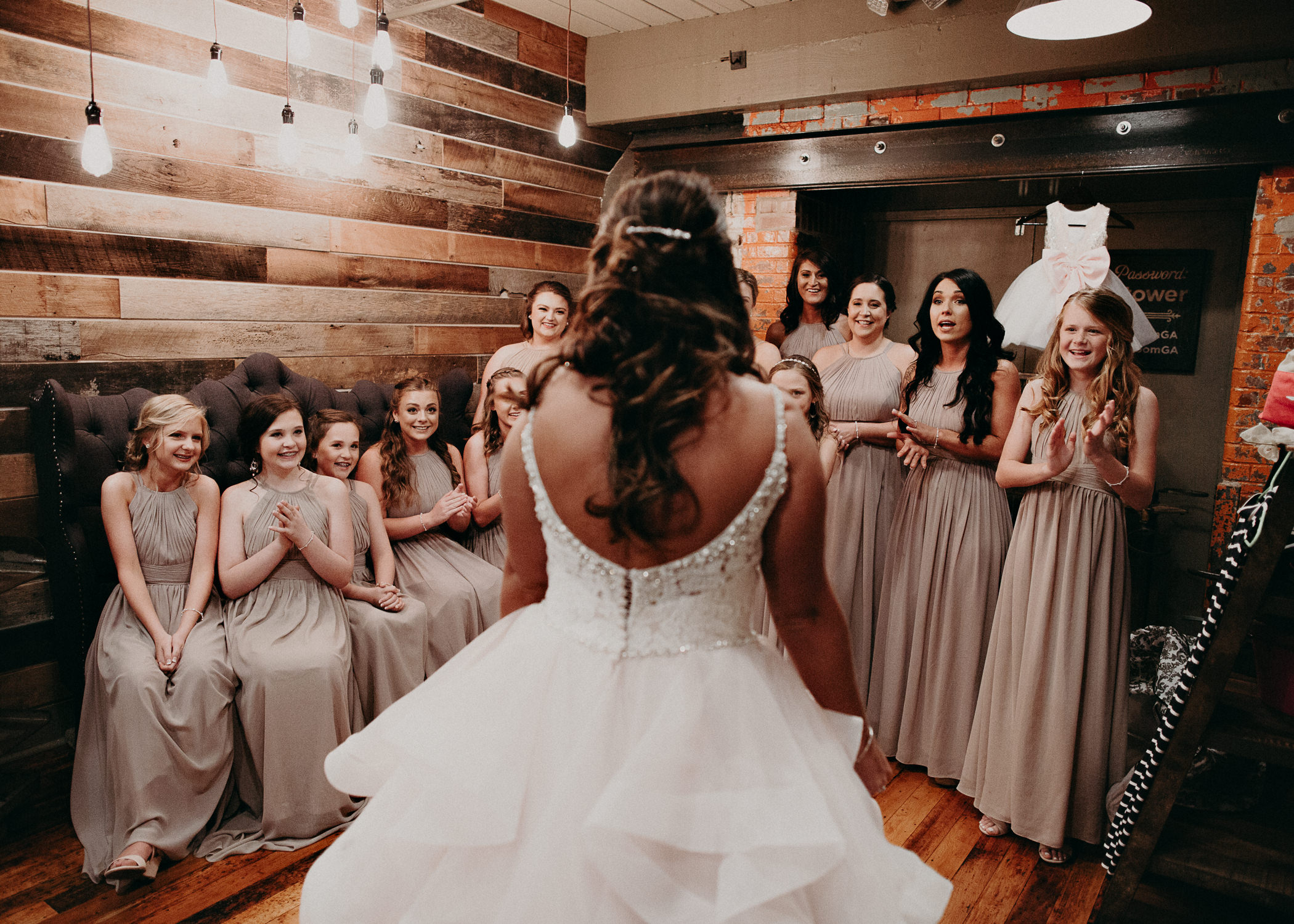 13 4 - Atlanta Wedding Photographer - The engine room - Ga - Wedding trends - Aline Marin Photography.jpg