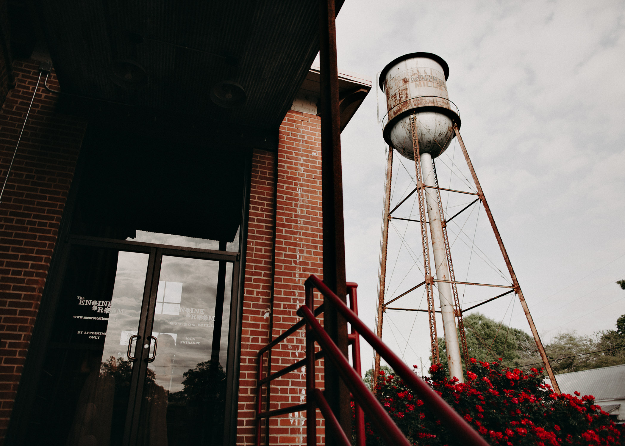 36 4 - Atlanta Wedding Photographer - The engine room - Ga - Wedding trends - Aline Marin Photography.jpg