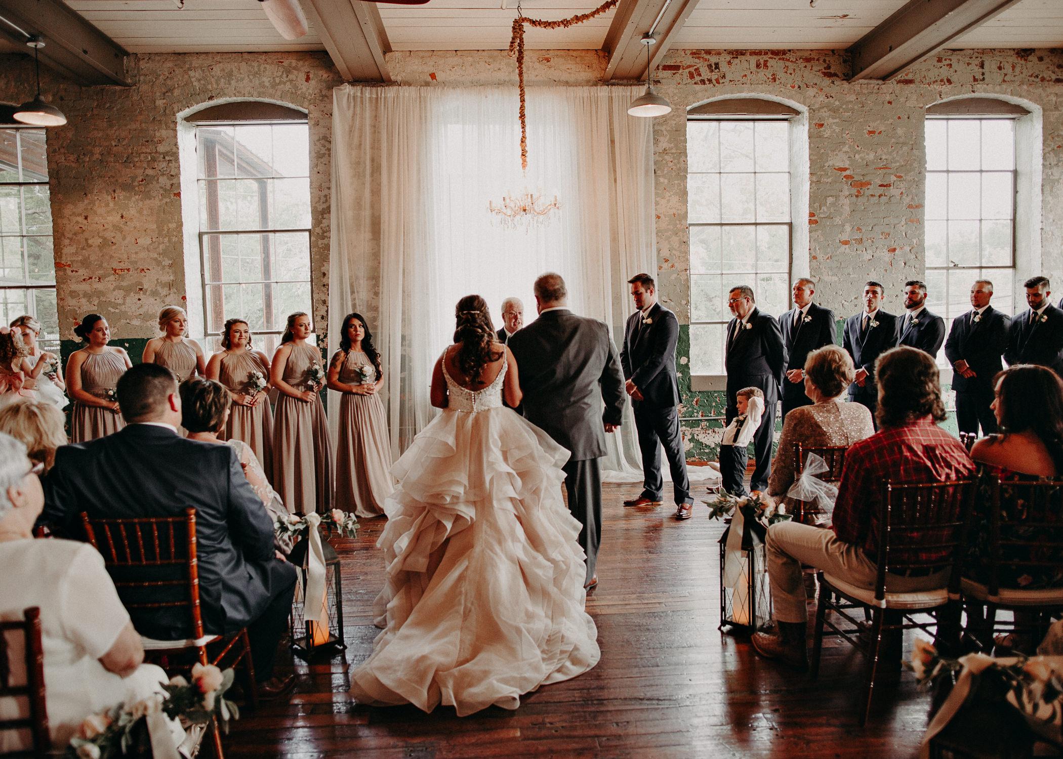 40 4 - Atlanta Wedding Photographer - The engine room - Ga - Wedding trends - Aline Marin Photography.jpg