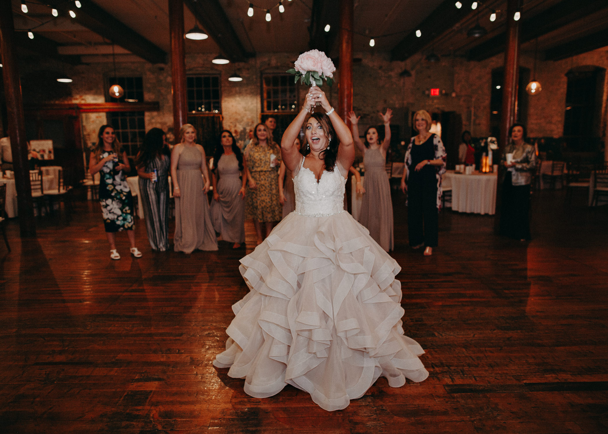 69 - Atlanta Wedding Photographer - The engine room - Ga - Wedding trends - Aline Marin Photography.jpg