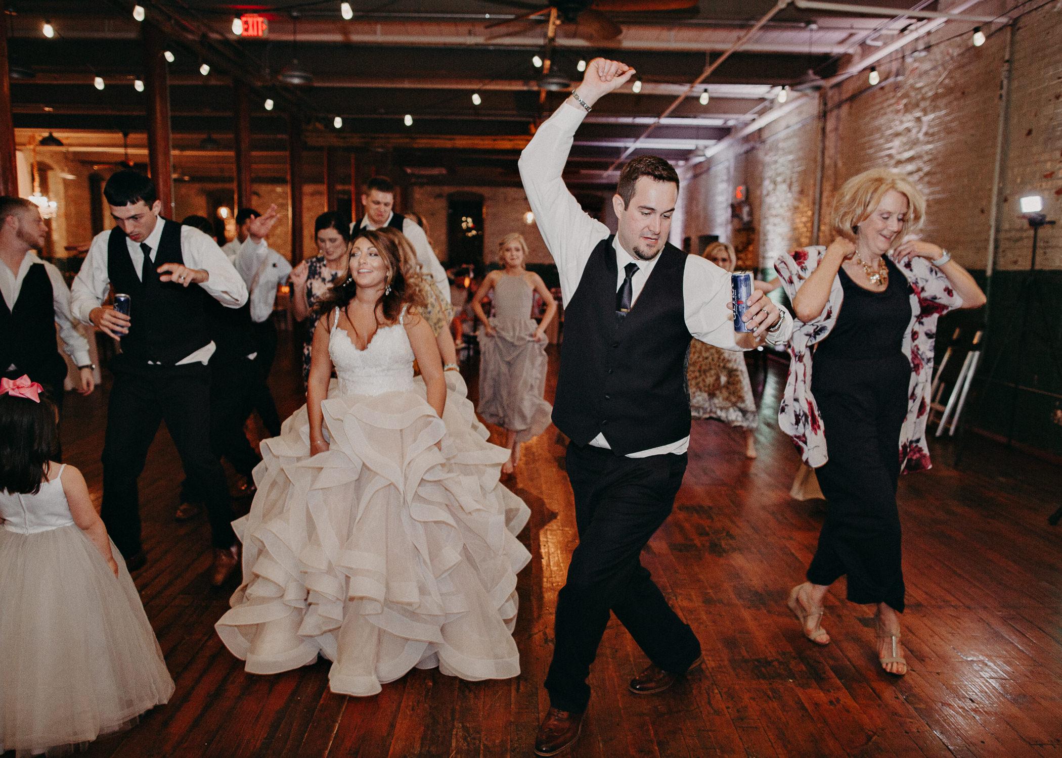 77 - Atlanta Wedding Photographer - The engine room - Ga - Wedding trends - Aline Marin Photography.jpg