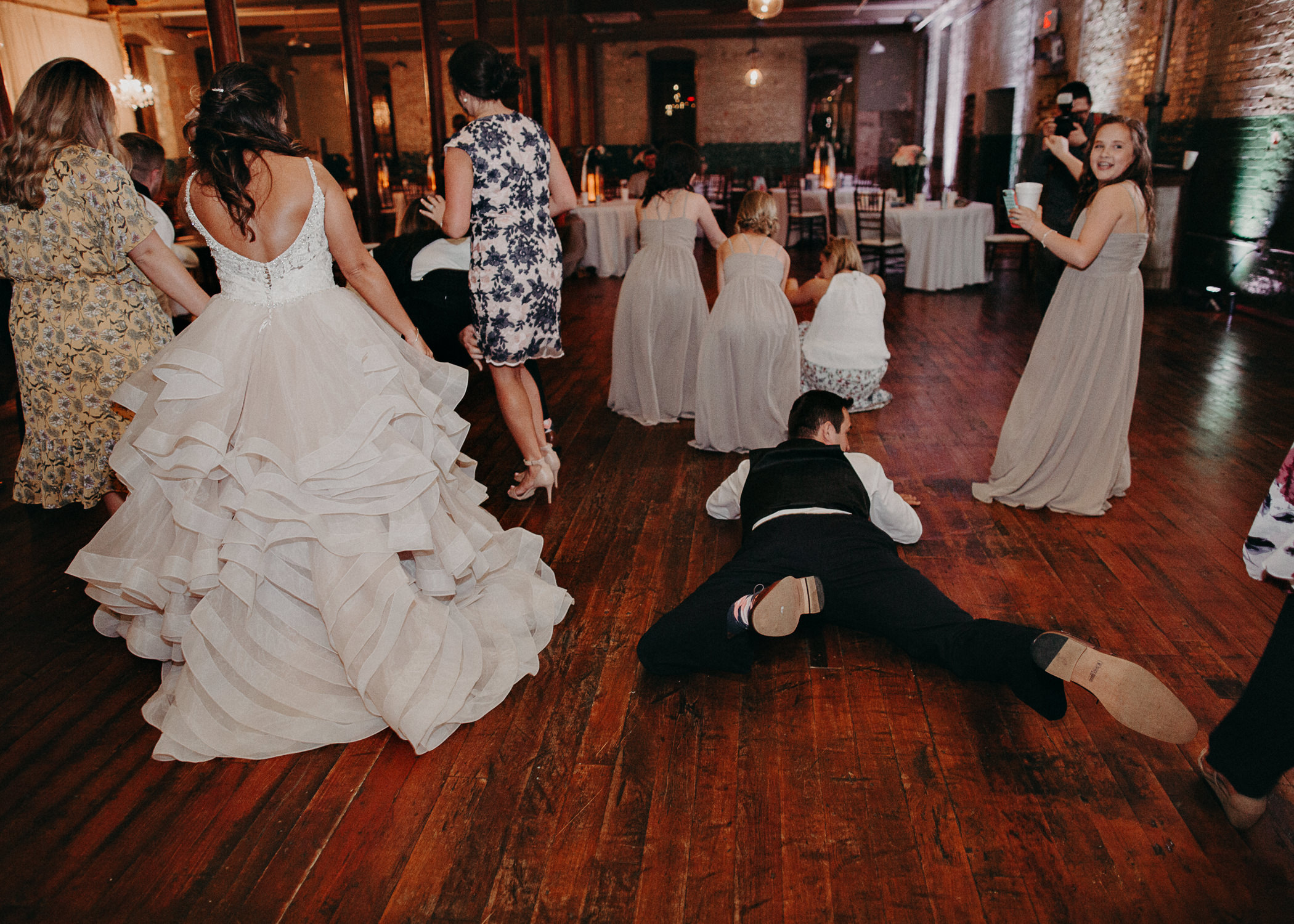 78 - Atlanta Wedding Photographer - The engine room - Ga - Wedding trends - Aline Marin Photography.jpg