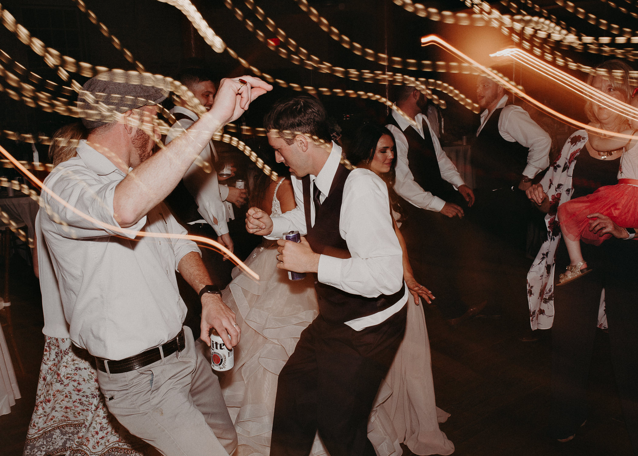 79 - Atlanta Wedding Photographer - The engine room - Ga - Wedding trends - Aline Marin Photography.jpg