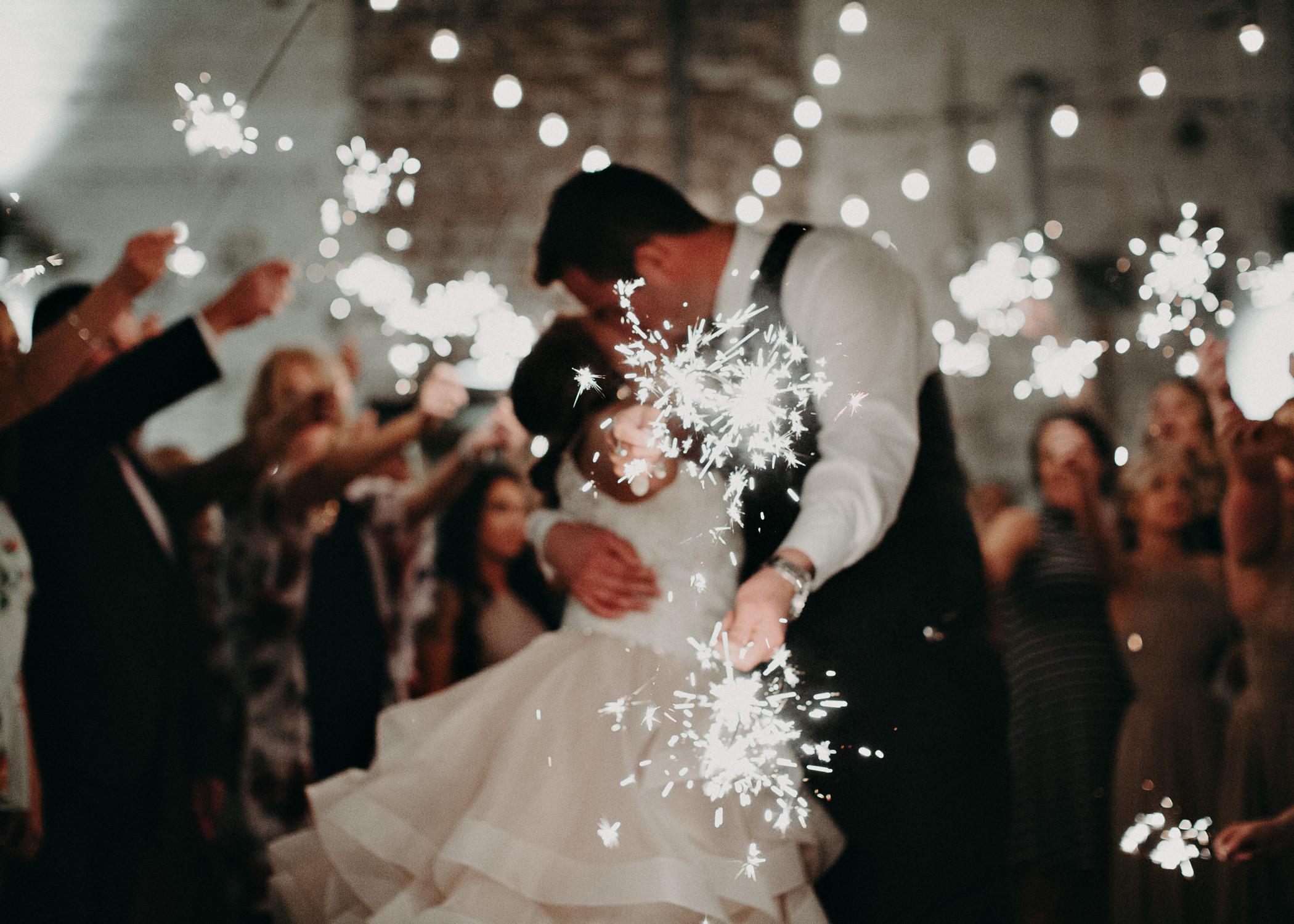 93 - Atlanta Wedding Photographer - The engine room - Ga - Wedding trends - Aline Marin Photography.jpg