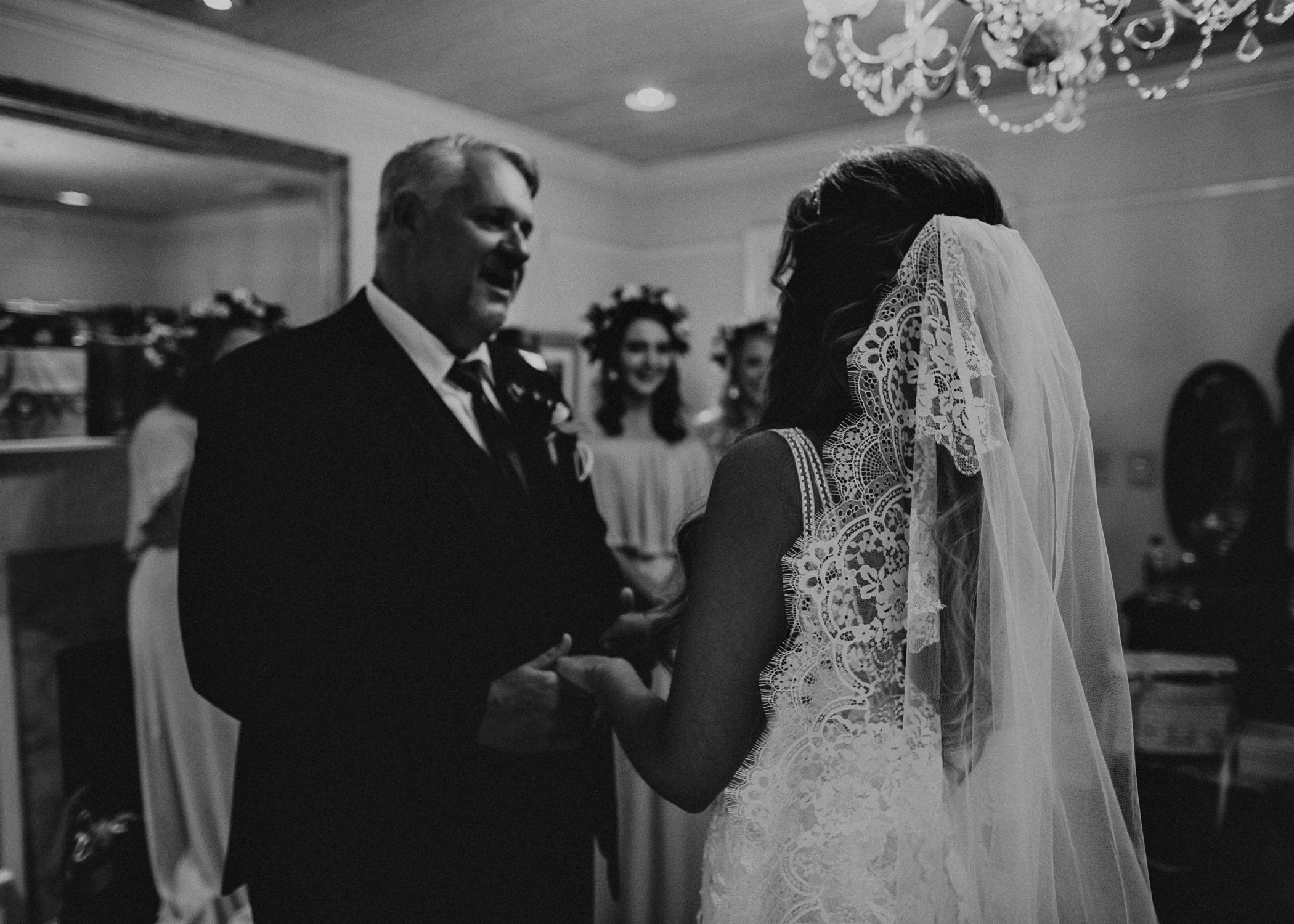 22Carl House Wedding Venue Ga, Atlanta Wedding Photographer - Boho, Bohemian, Junebug Weddings, Vintage, Retro, Trendy. Aline Marin Photography. .jpg