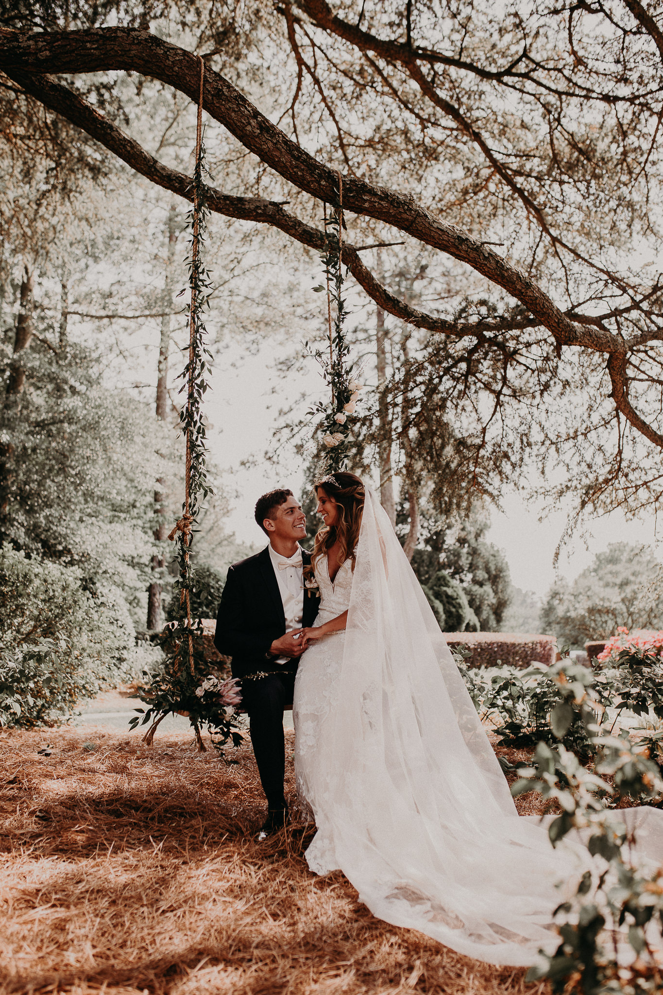 37 Carl House Wedding Venue Ga, Atlanta Wedding Photographer - Boho, Bohemian, Junebug Weddings, Vintage, Retro, Trendy. Aline Marin Photography._.JPG