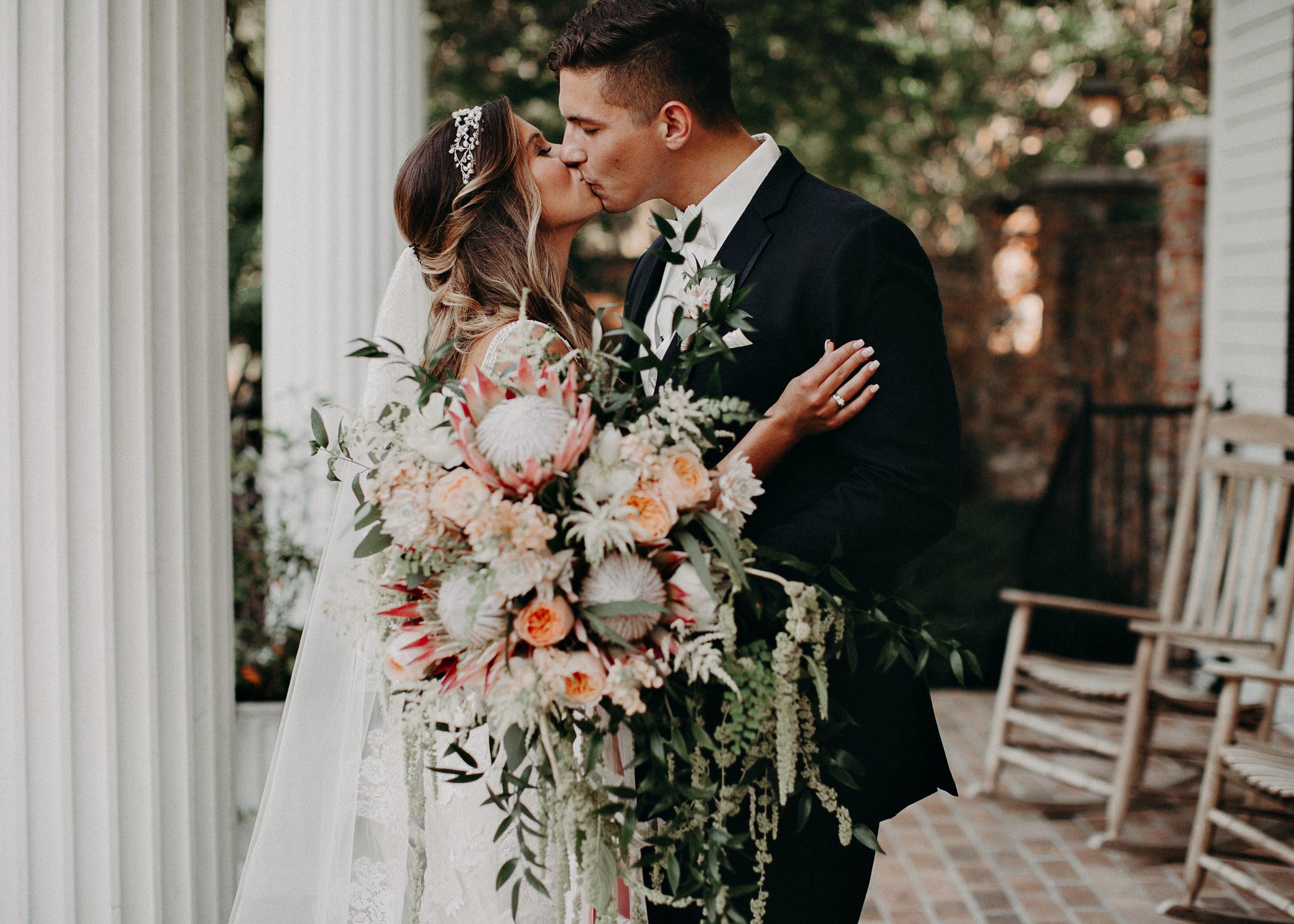 58Carl House Wedding Venue Ga, Atlanta Wedding Photographer - Boho, Bohemian, Junebug Weddings, Vintage, Retro, Trendy. Aline Marin Photography. .jpg