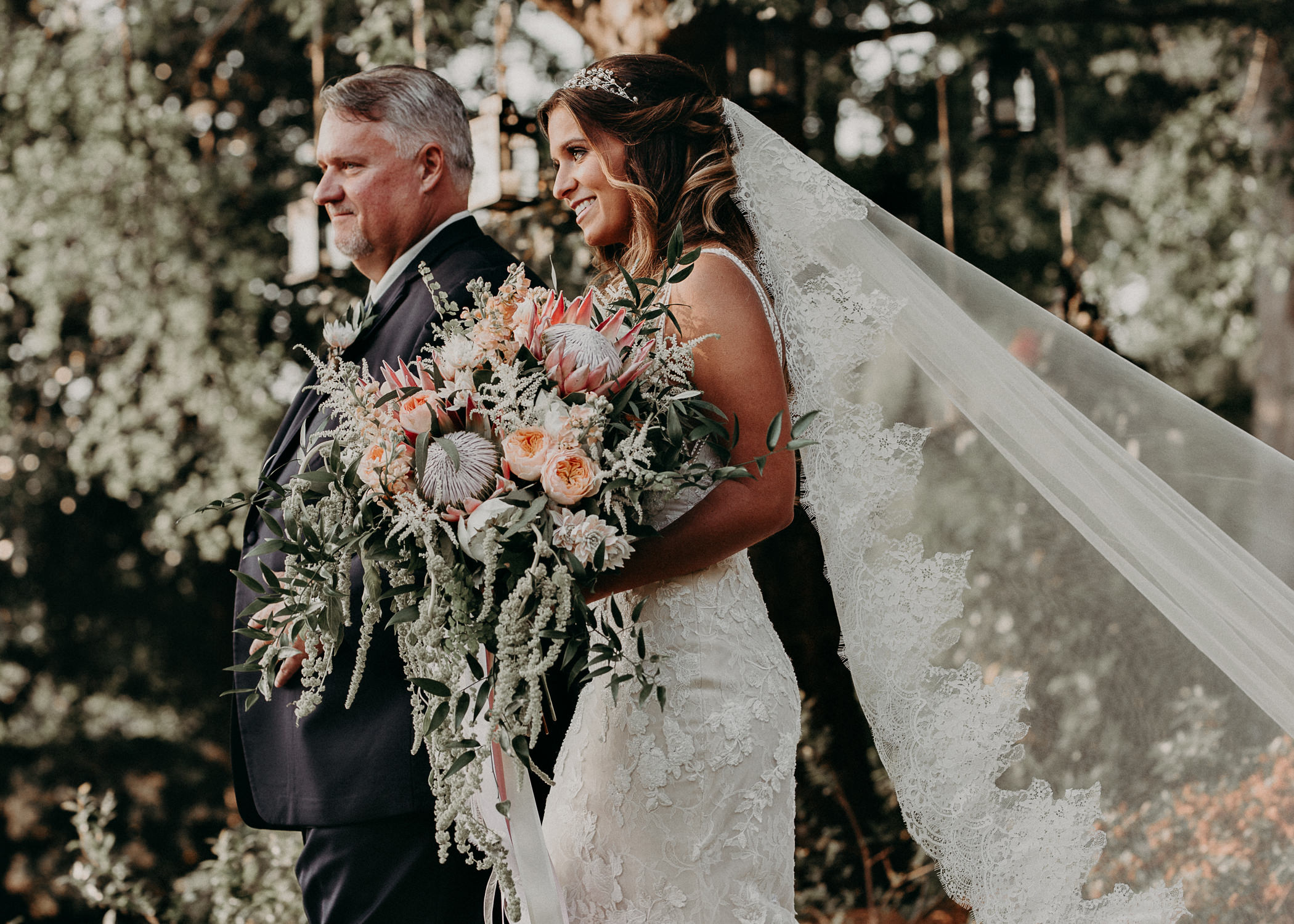 68Carl House Wedding Venue Ga, Atlanta Wedding Photographer - Boho, Bohemian, Junebug Weddings, Vintage, Retro, Trendy. Aline Marin Photography. .jpg
