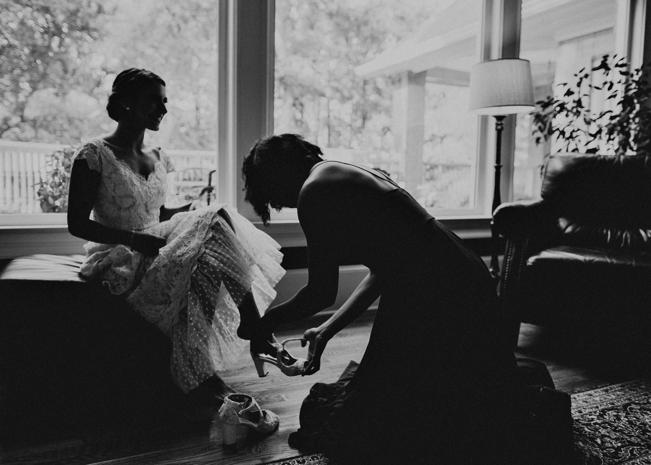 23 Bride getting ready pictures before ceremony- Weding day, Atlanta-Ga Photographer .jpg