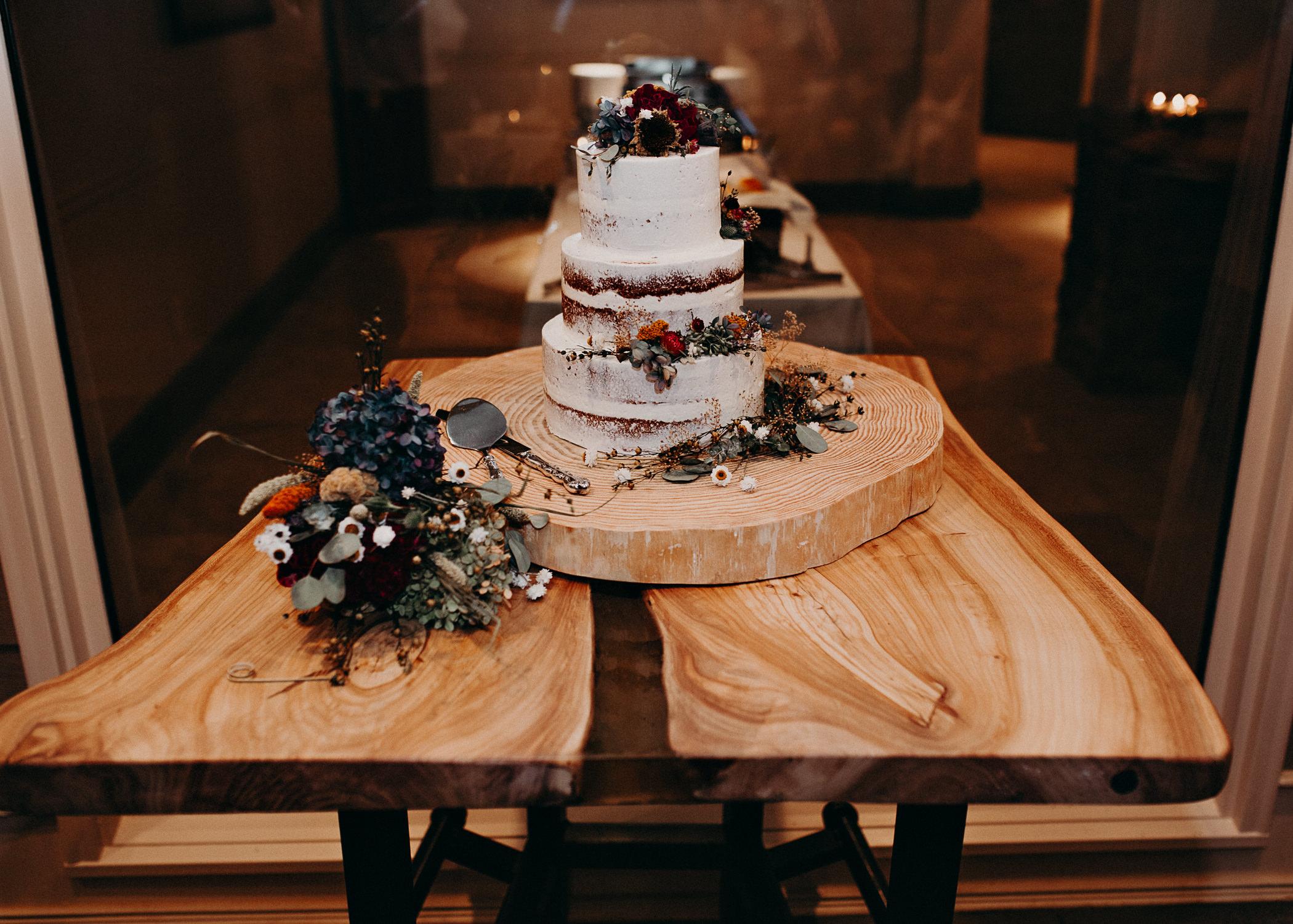 105.1 Wedding details .jpg