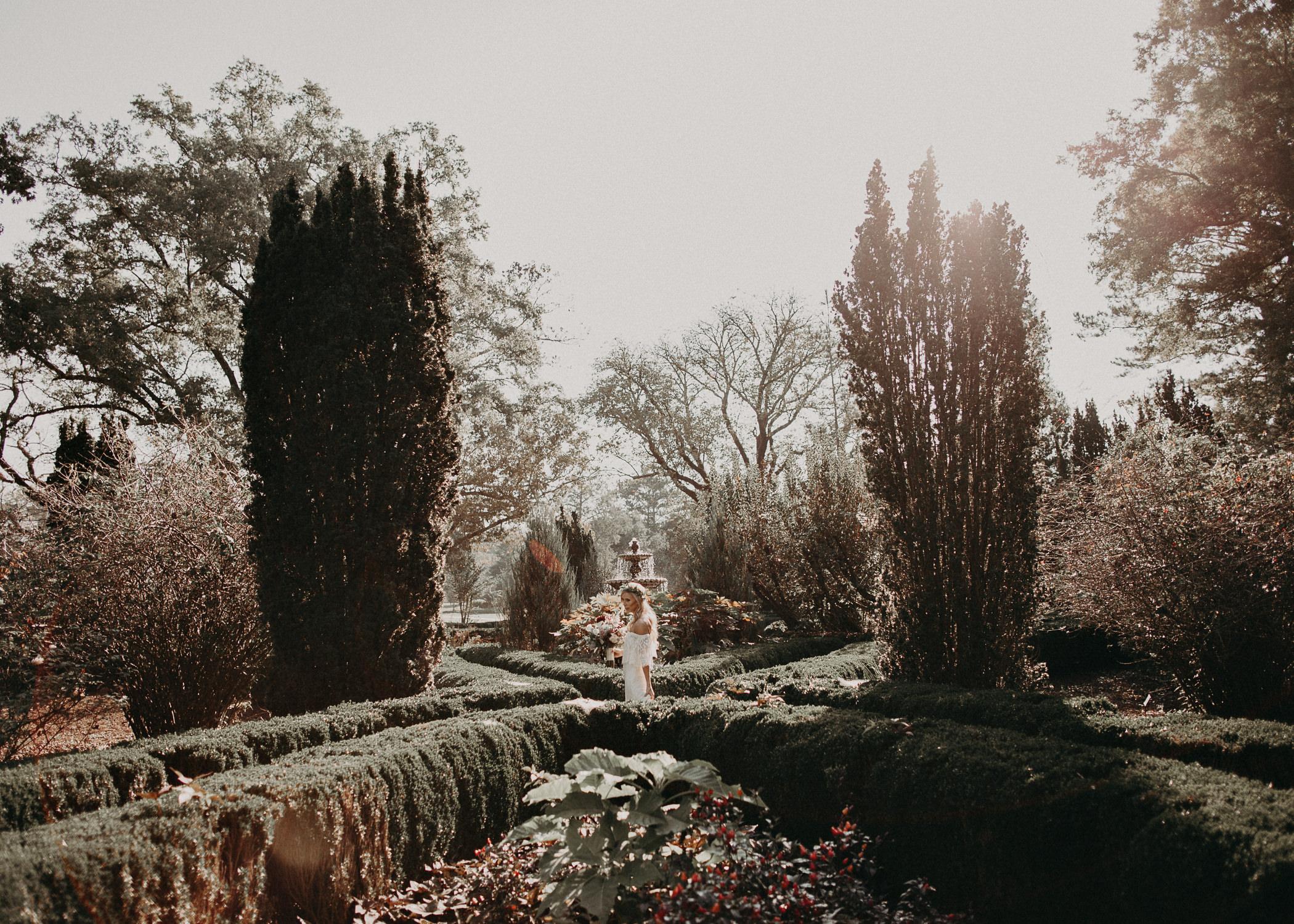 11 - Barnsley Gardens Wedding First Look .jpg