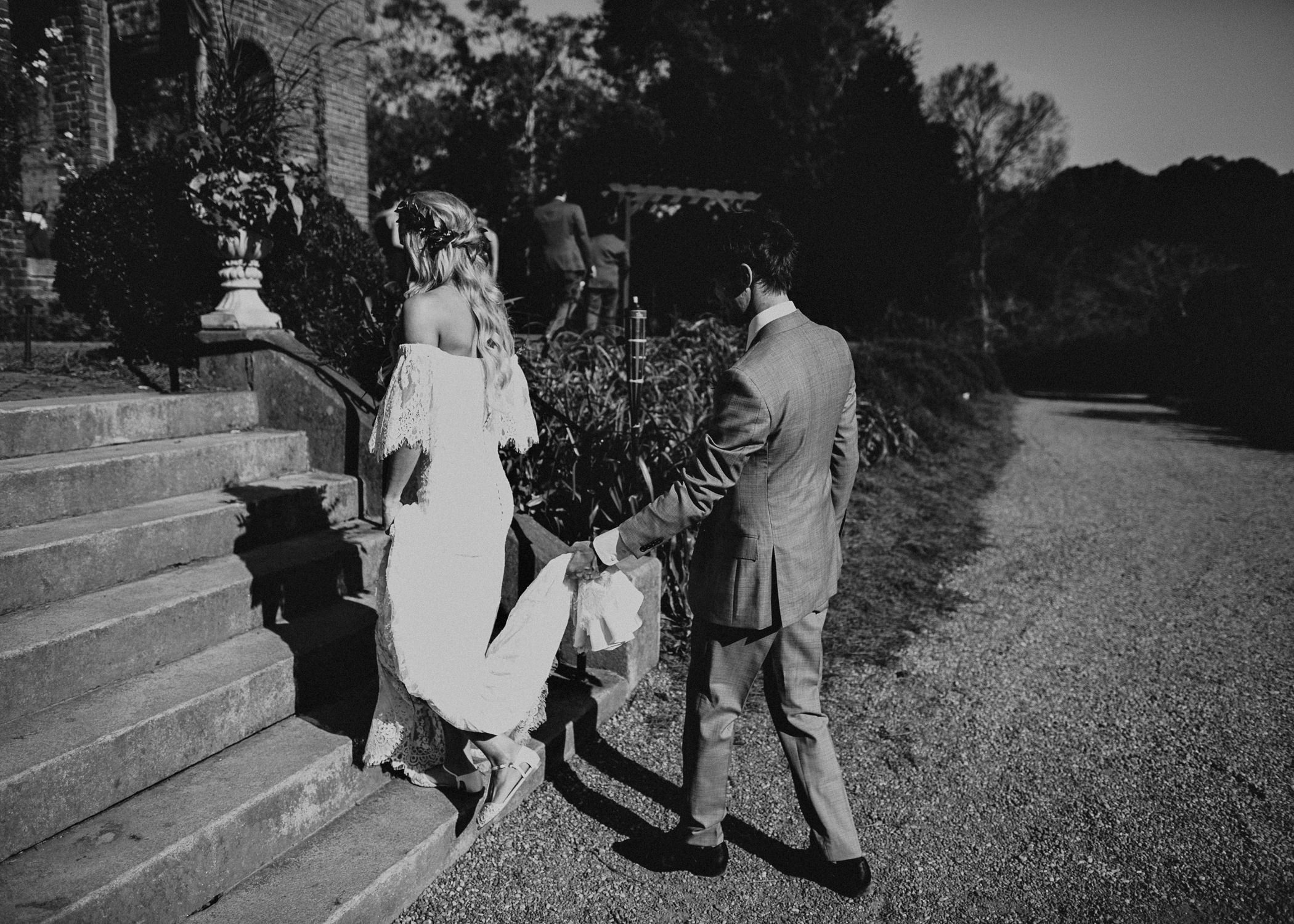 31 - Barnsley Gardens Wedding - Bride portraits - First Look .jpg