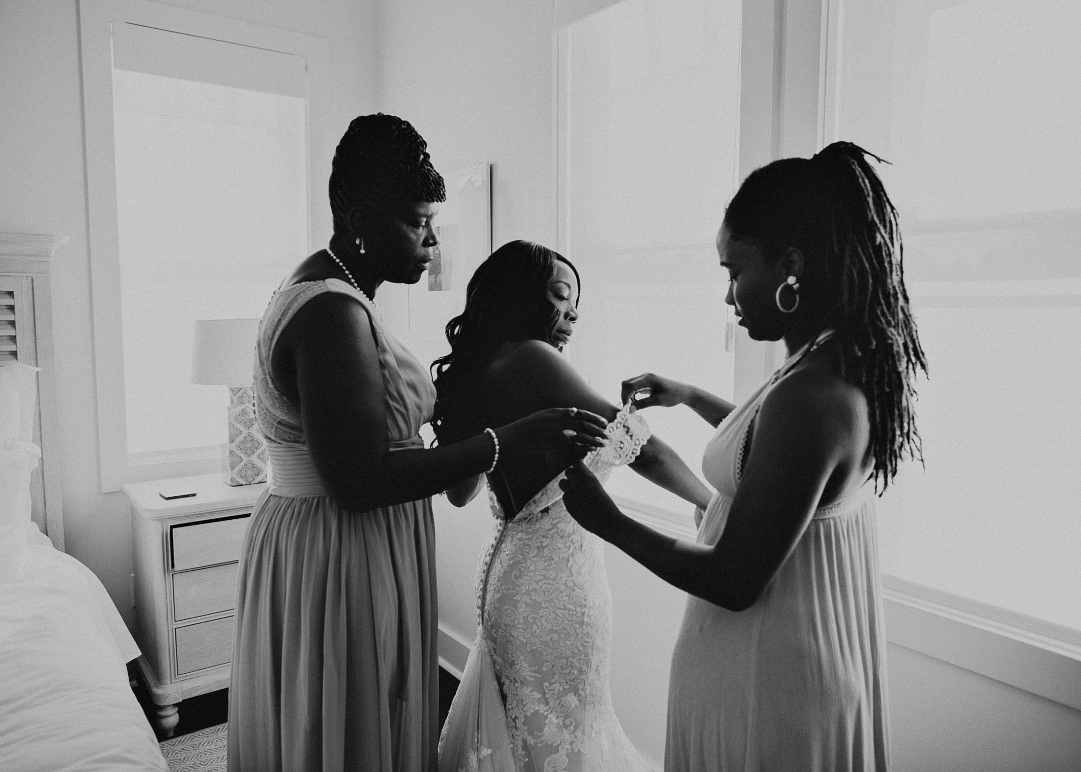 13.3 Wedding_day_atlanta_georgia_bride_details_dress_aline_marin_photography_-10.jpg