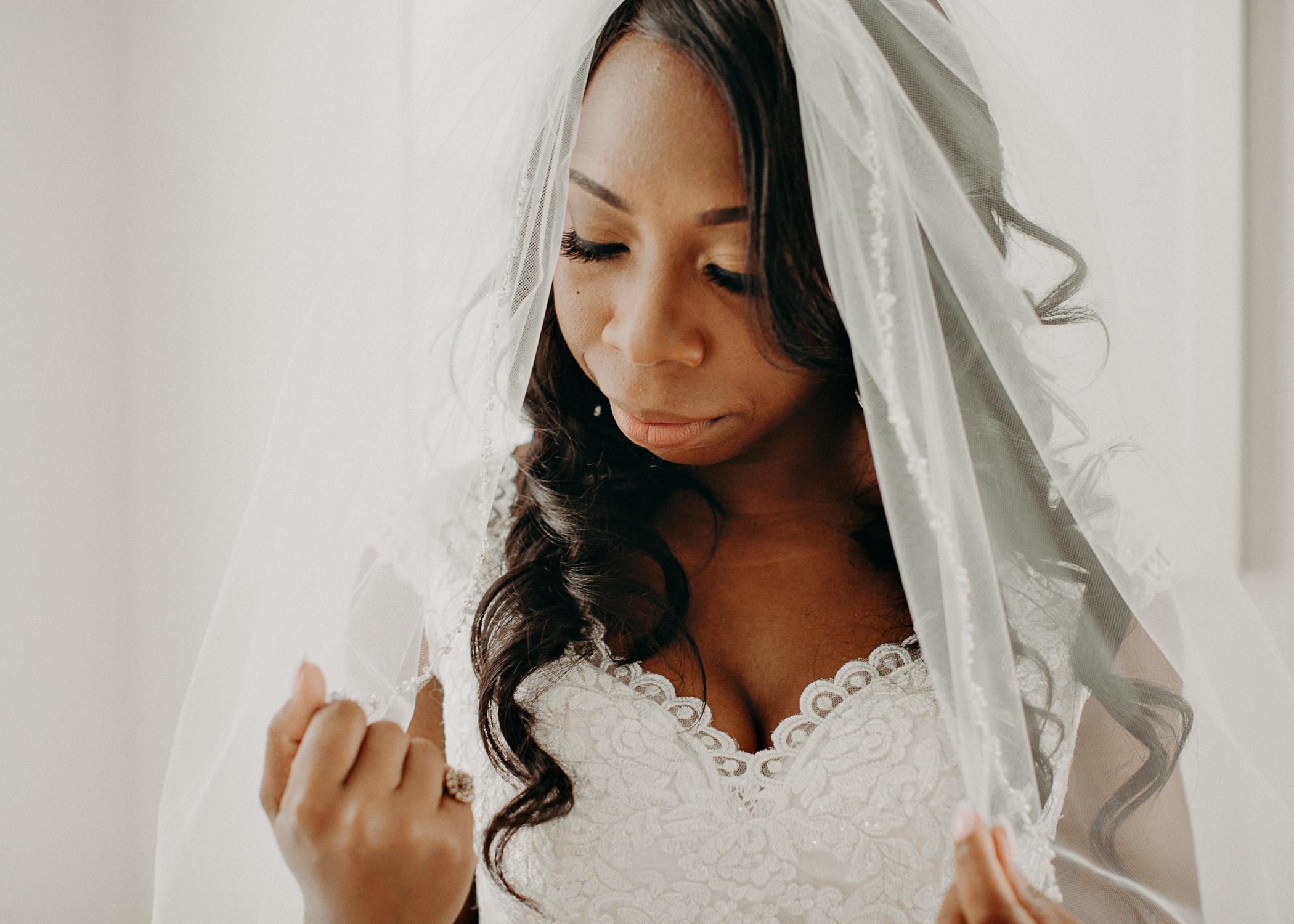 15.1- Wedding_day_atlanta_georgia_bride_details_dress_aline_marin_photography_-12.jpg