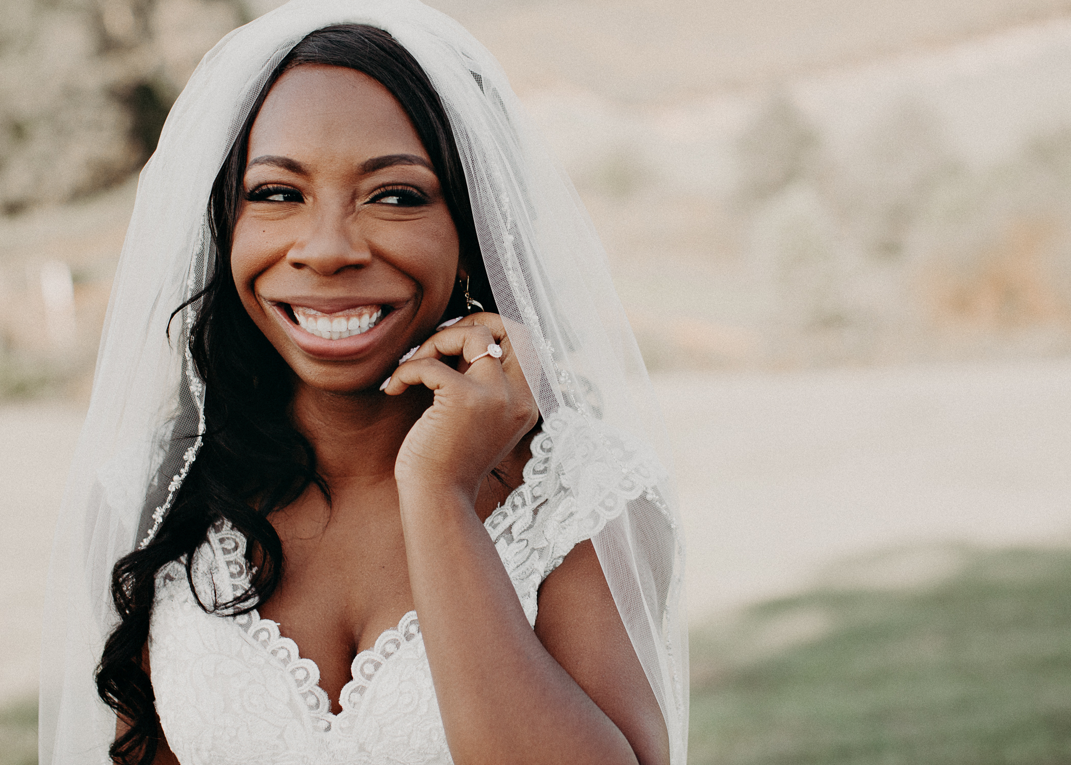 23- Wedding_day_atlanta_georgia_bridal_portraits_dress_aline_marin_photography.jpg