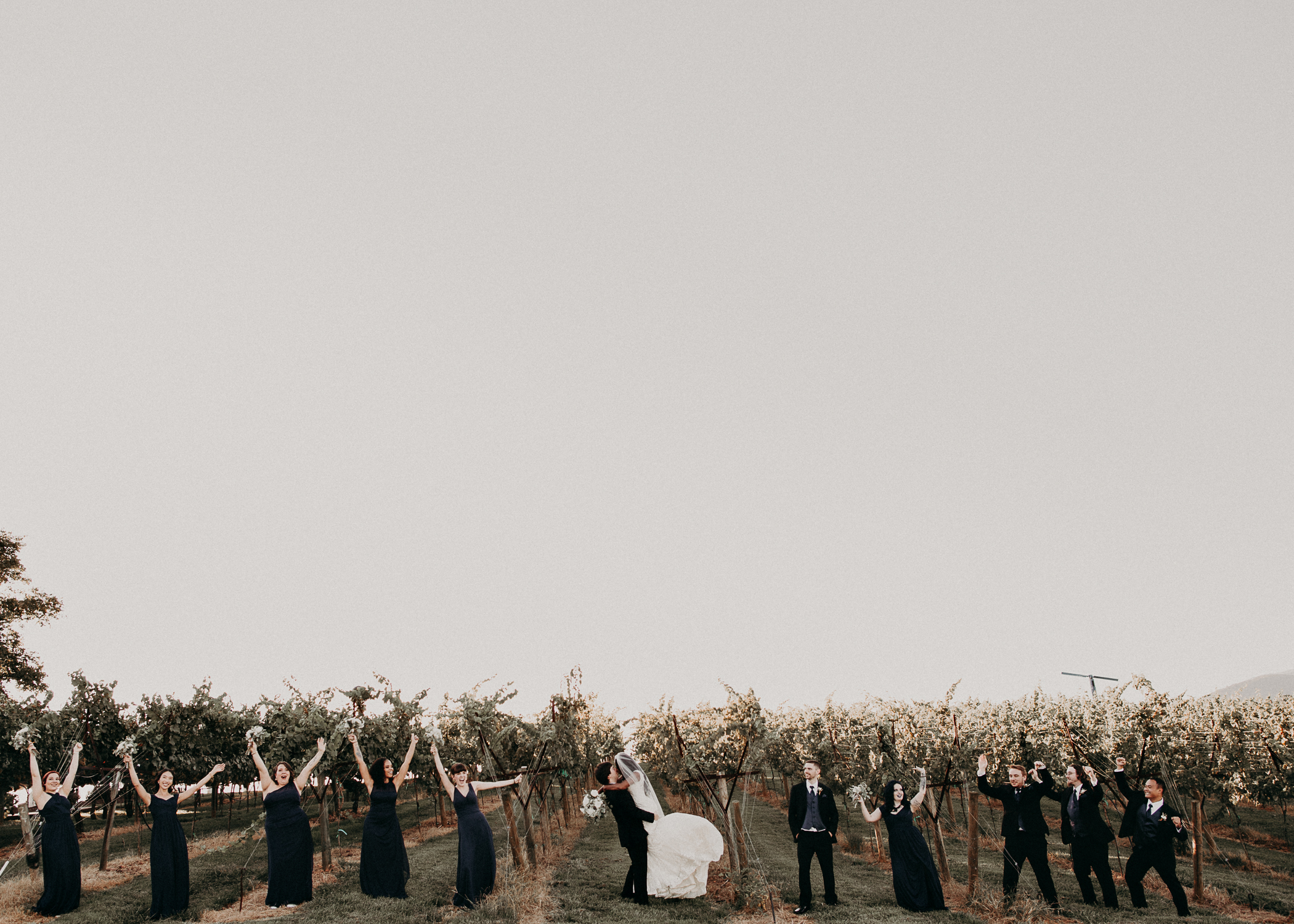 46- Kaya_vineyard_dahlonega_wedding_venue_bridal_party_portraits_aline_marin_photography.jpg