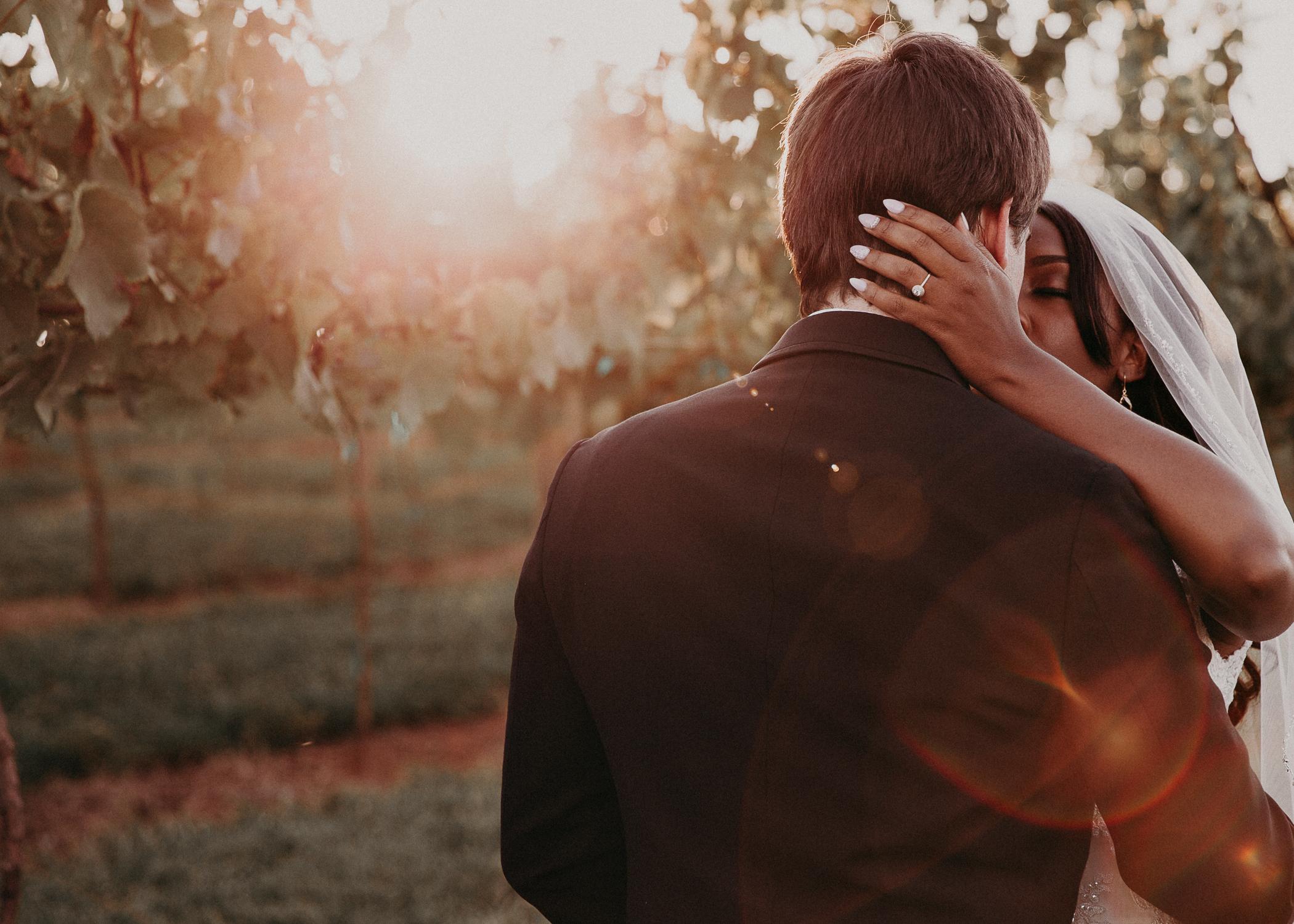 56- Kaya_vineyard_dahlonega_wedding_venue_bride_groom_portraits_aline_marin_photography.jpg
